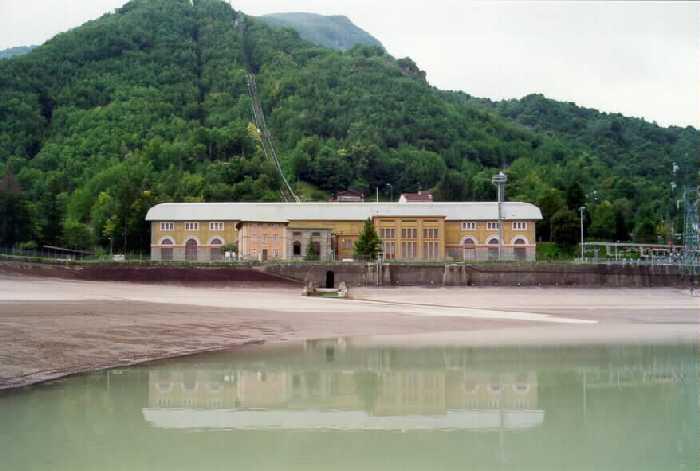 Centrale Idroelettrica di Ligonchio (Fonte Wikimedia)