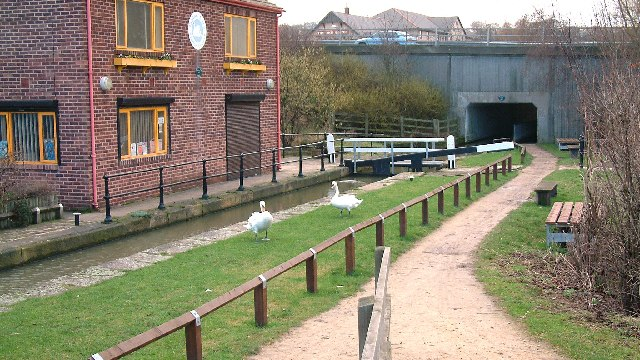 Chesterfield canal visitor centre - geograph.org.uk - 43837