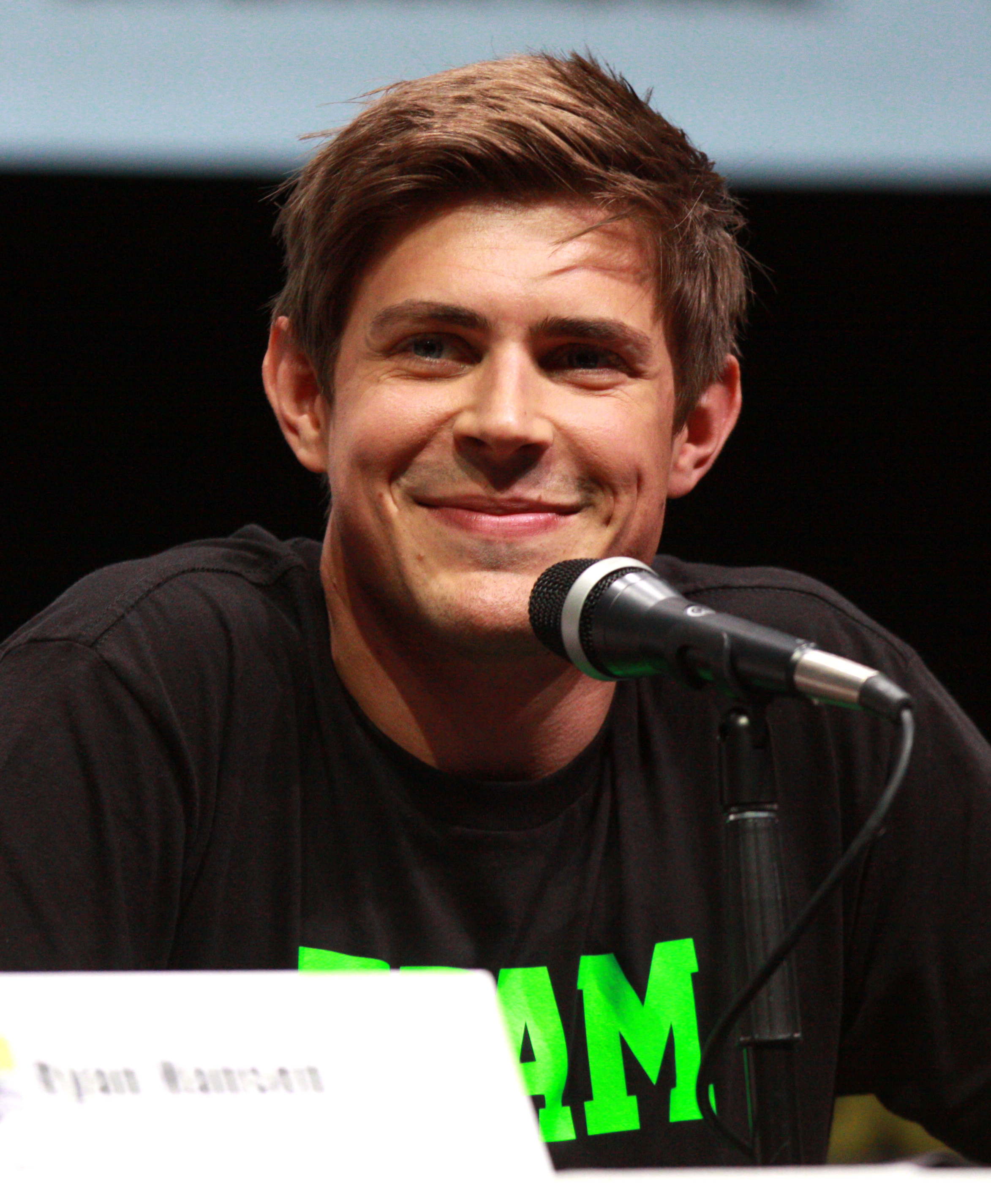 The 34-year old son of father (?) and mother(?) Chris Lowell in 2018 photo. Chris Lowell earned a  million dollar salary - leaving the net worth at 0.7 million in 2018
