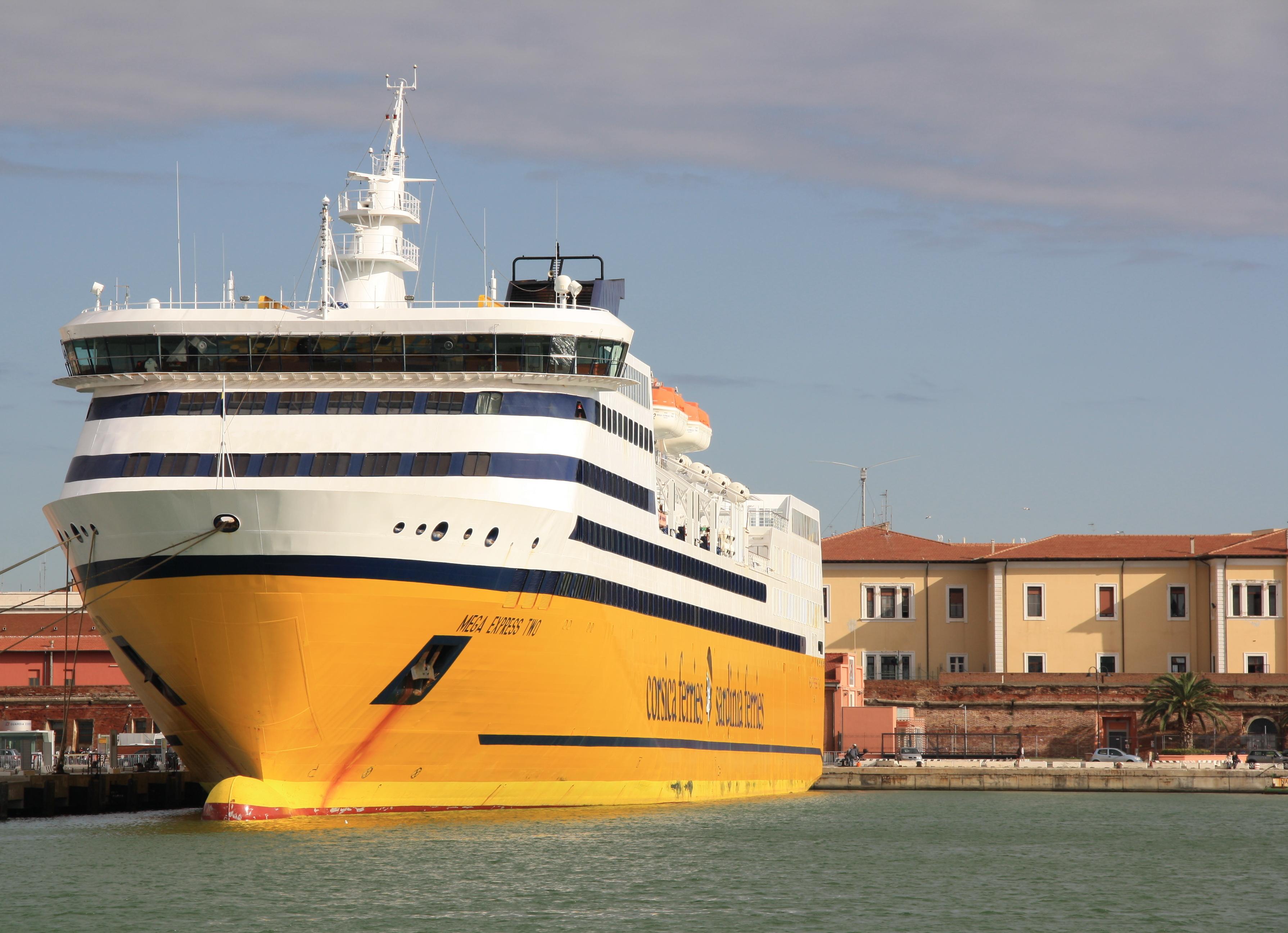 File corsica ferries mega express two 03 jpg wikimedia for Mega express 2 piscine