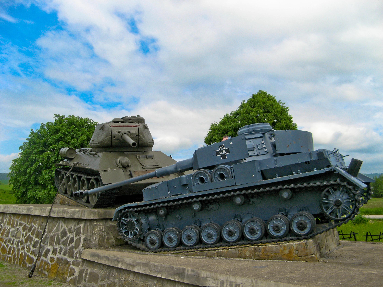 File Dukla Pass ...T 34 Tank Stalingrad
