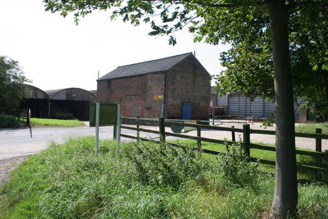 Entrance to Home Farm, Holbeach Marsh - geograph.org.uk - 537713