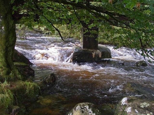 Footbridge at Belstone - geograph.org.uk - 933917