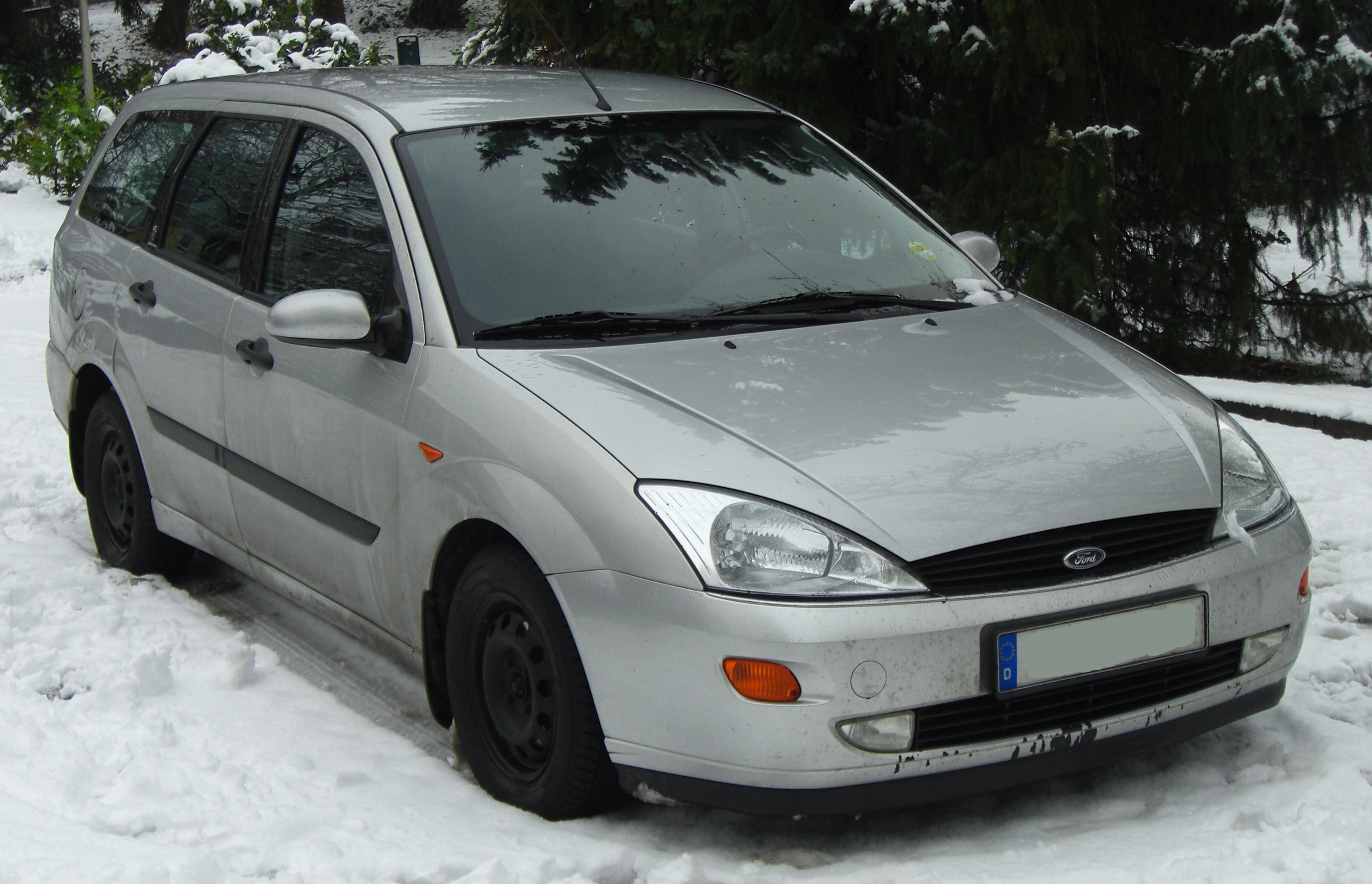 File Ford Focus I Turnier 1999 2001 Ghia Front Mj Jpg