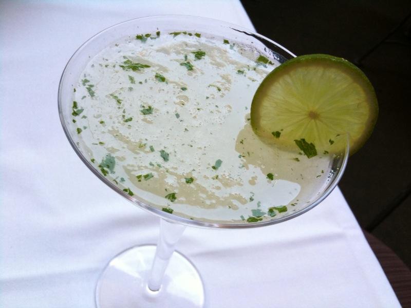 Gimlet (cocktail) - Wikipedia