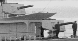 HMAS Waterhen forward 4 inch guns SLV Green