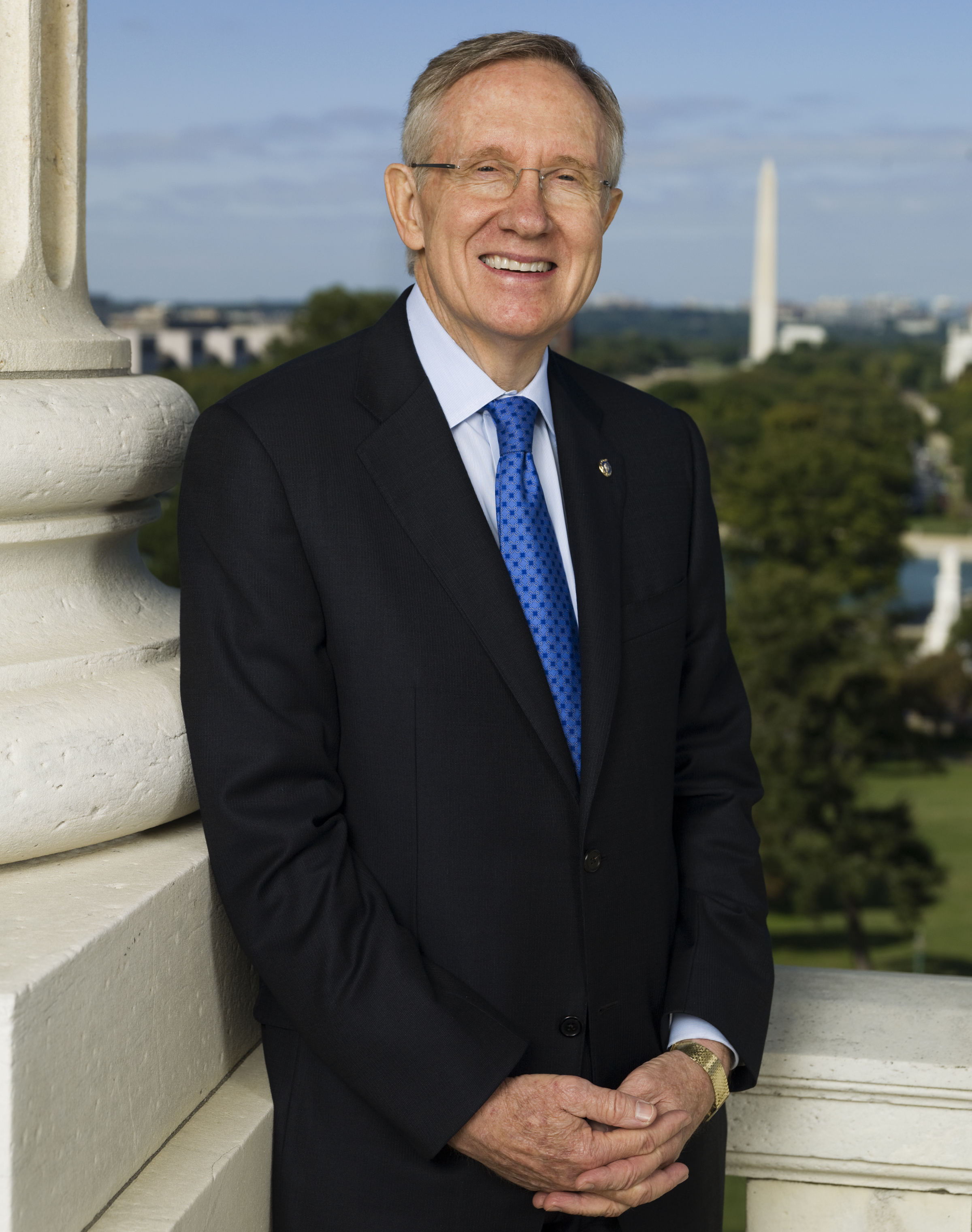 The 78-year old son of father Harry Vincent Reid and mother Inez Orena Reid, 178 cm tall Harry Reid in 2018 photo