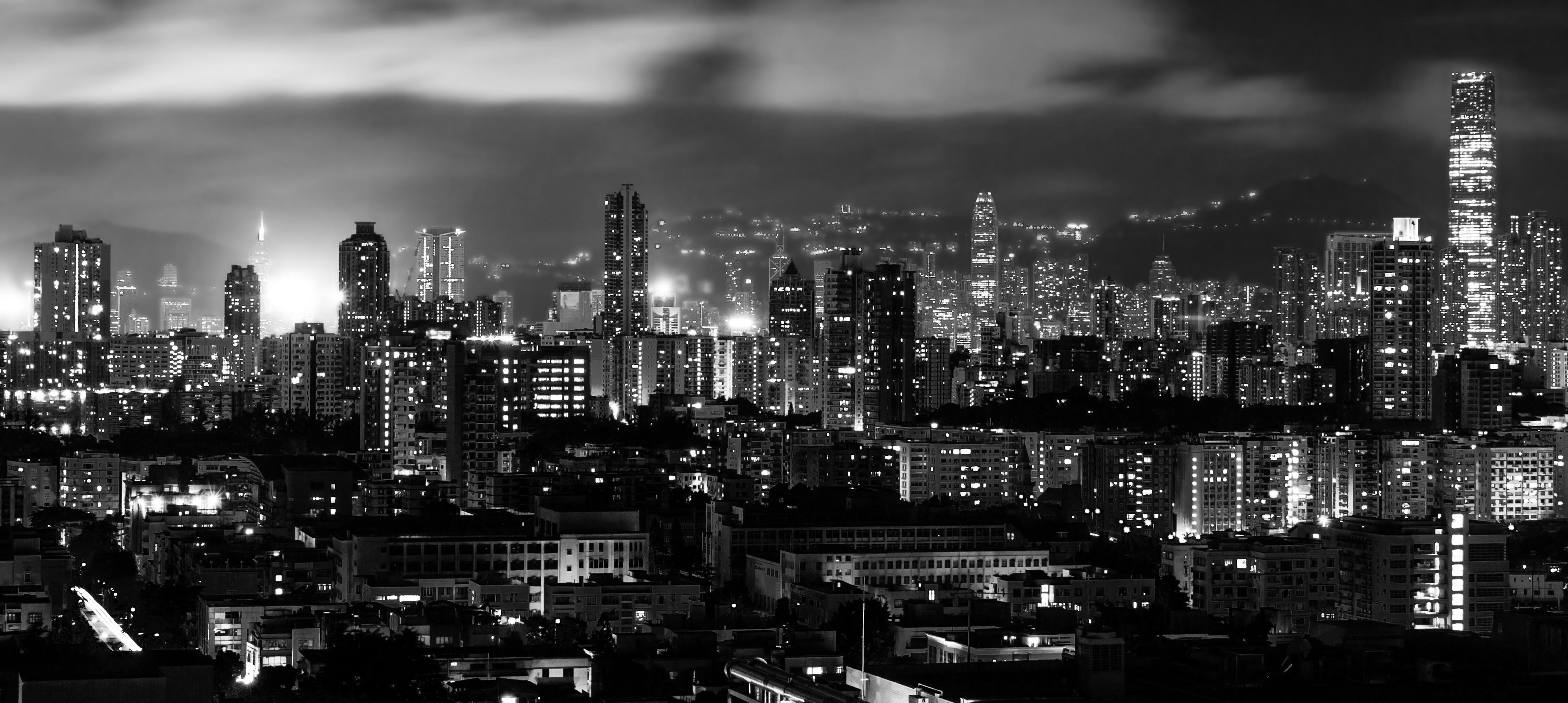 File:Hong Kong at night B&W.jpg - Wikimedia Commons