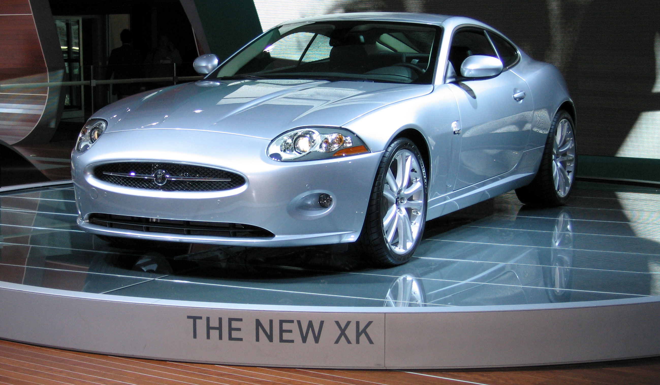 File:Jaguar XK8 (IAA 2005)