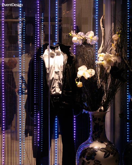 File:LED verlichting etalage mode fashion.jpg - Wikimedia Commons