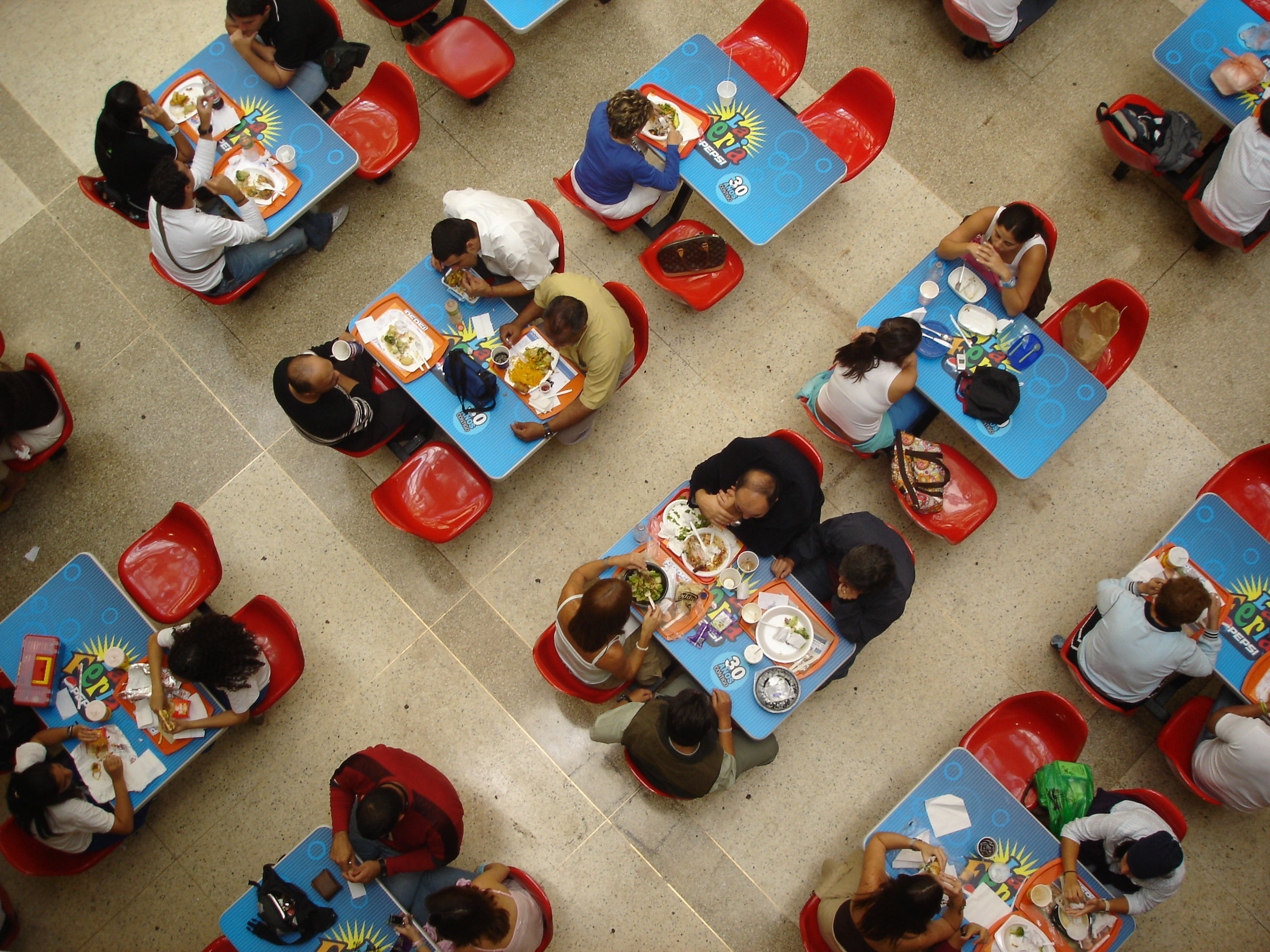 Food Courts Using Plates Instead Of Plastic