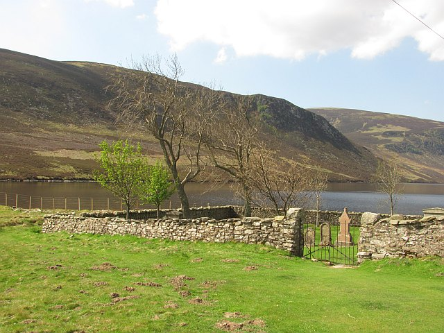 Loch Lee and cemetery - geograph.org.uk - 1878810