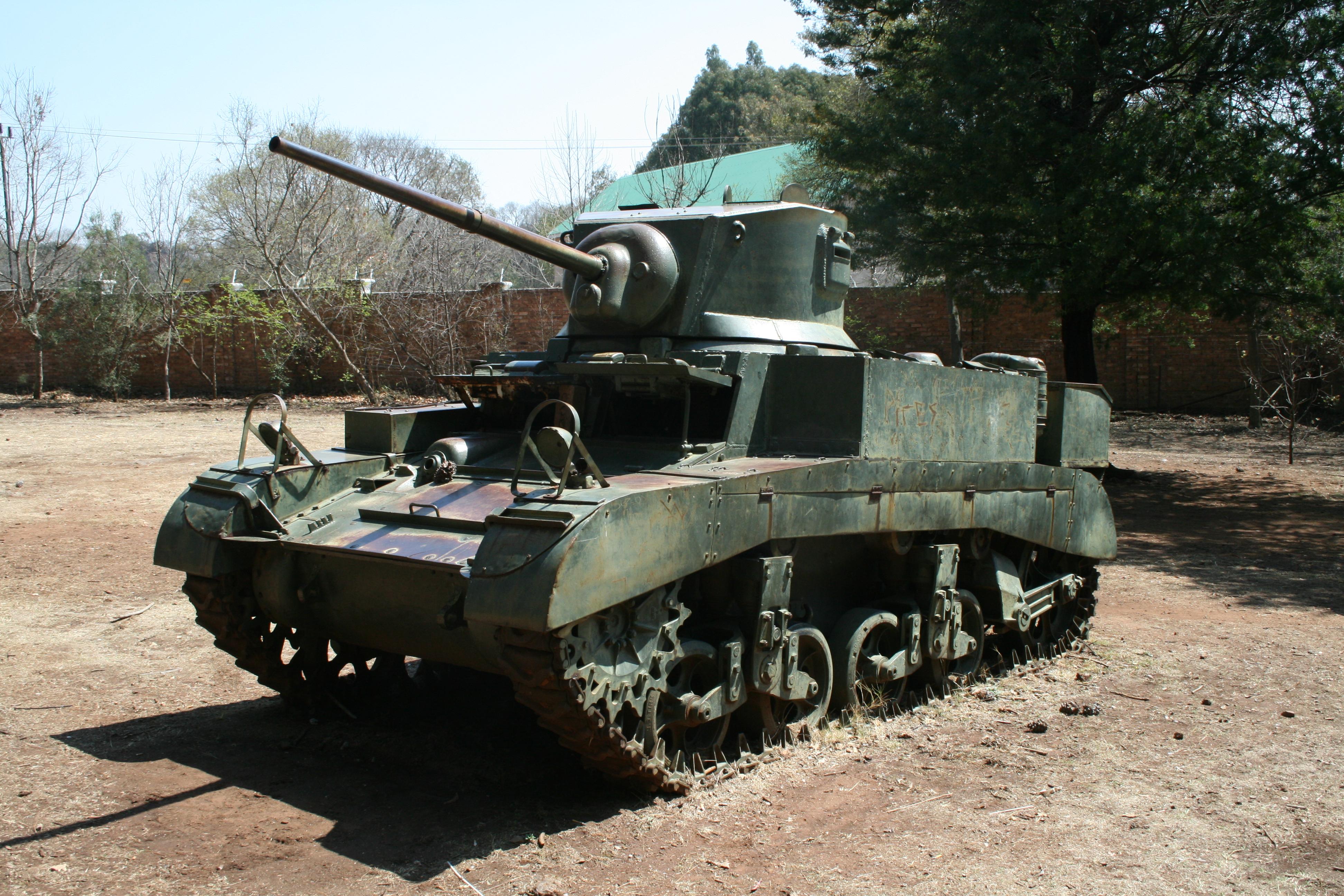 M3A1_Stuart,_Smuts_House,_South_Africa.J
