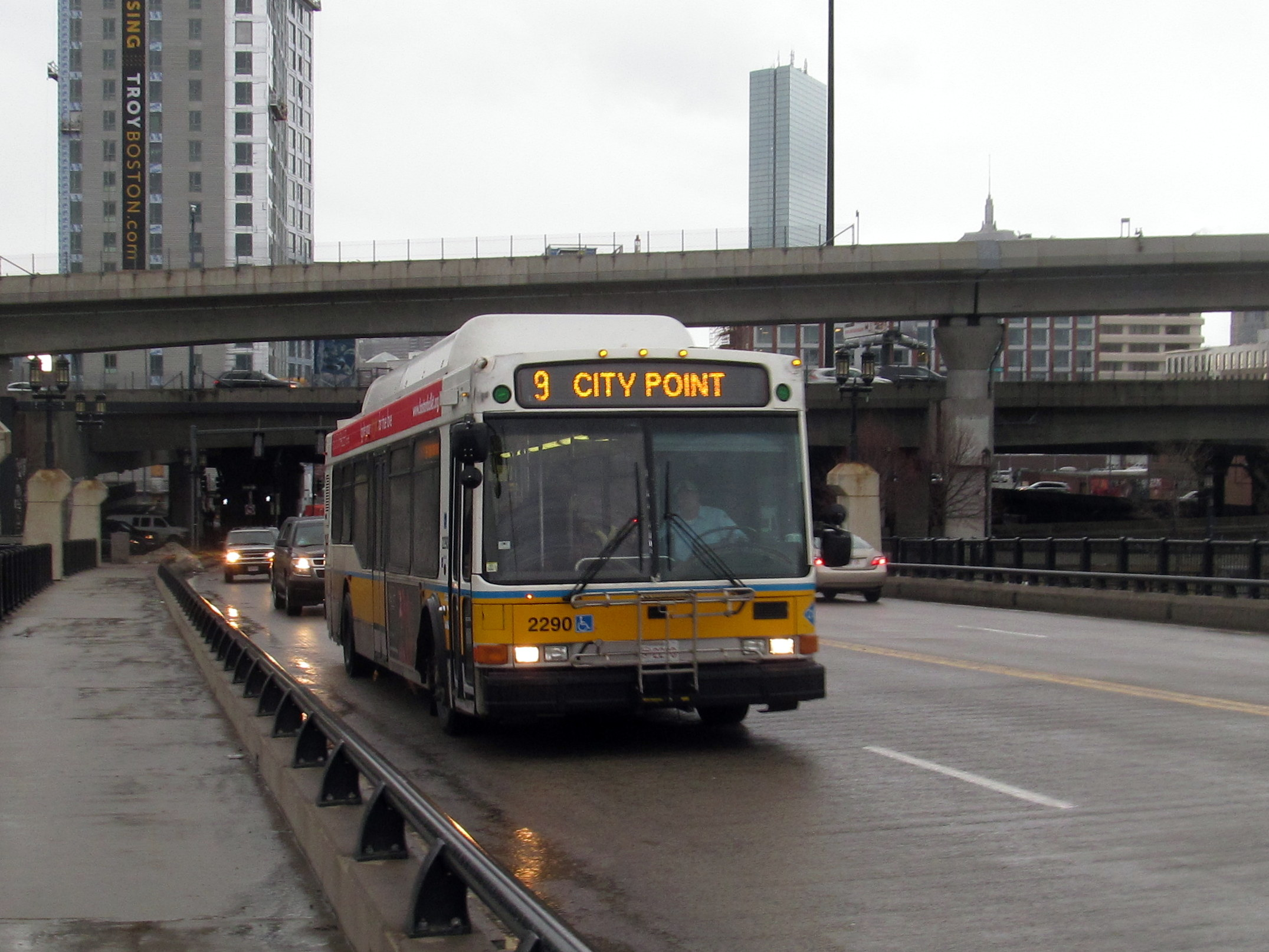 file:mbta route 9 bus on west broadway bridge, march 2015