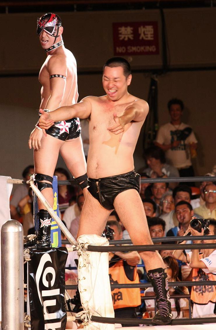 Albañiles Gay makoto izubuchi - wikipedia, la enciclopedia libre