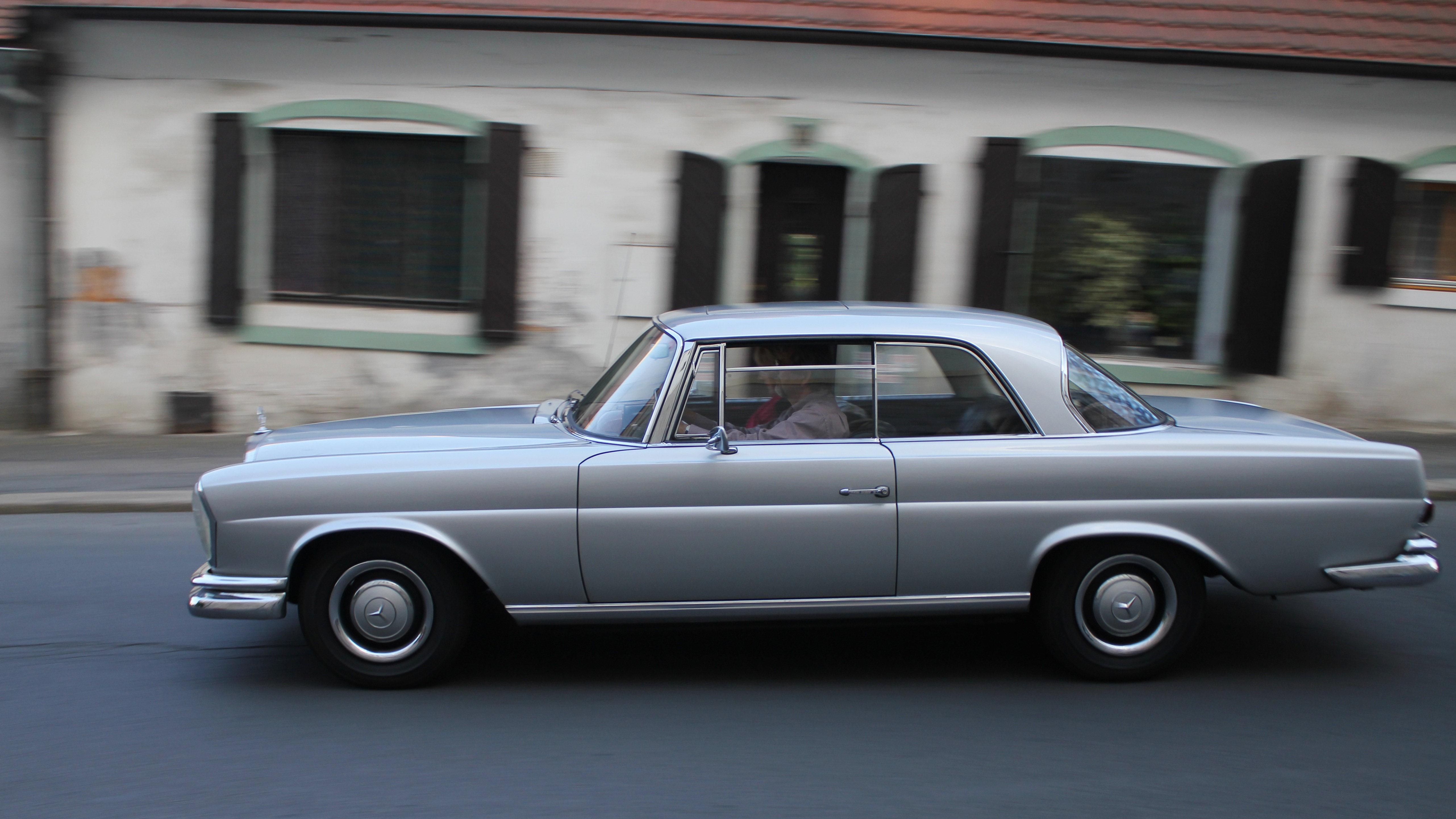 File Mercedes Benz 280 Se Coupe 2013 Oldtimer Bohemia Rally 02 Jpg