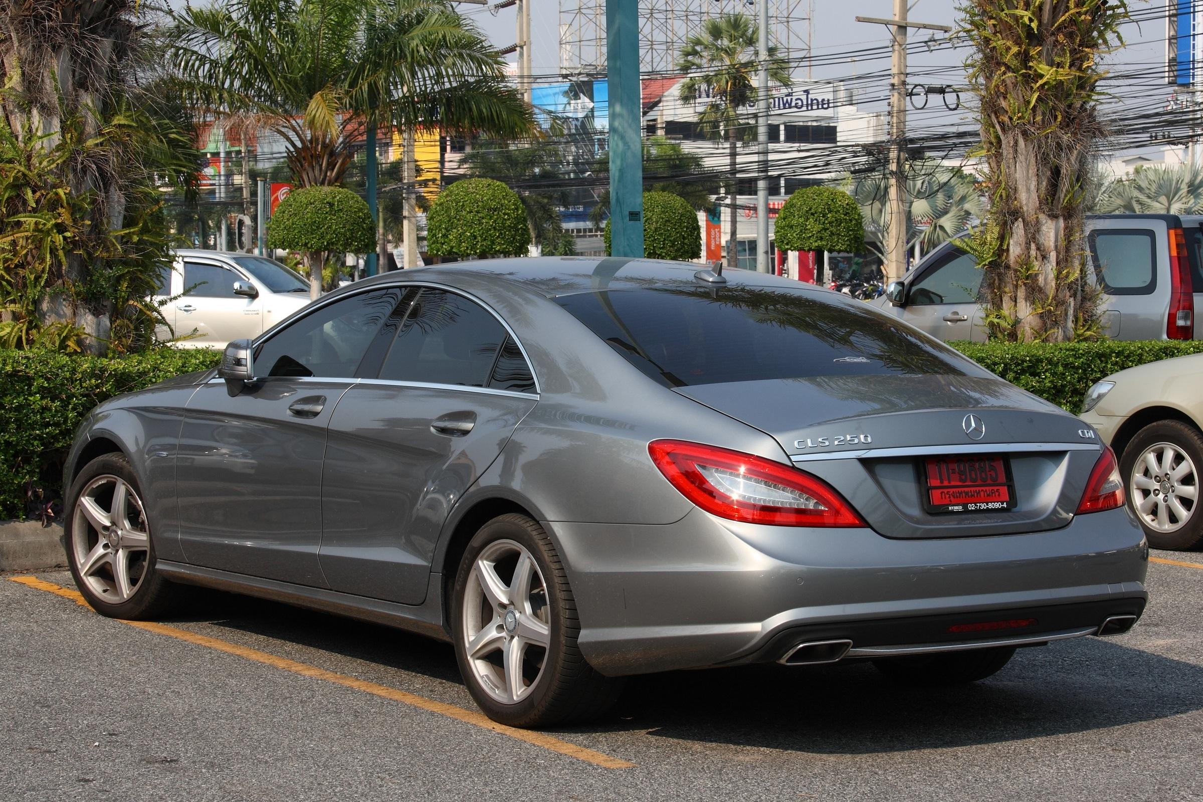 File mercedes benz cls 250 in pattaya jpg wikipedia for Mercedes benz e 250