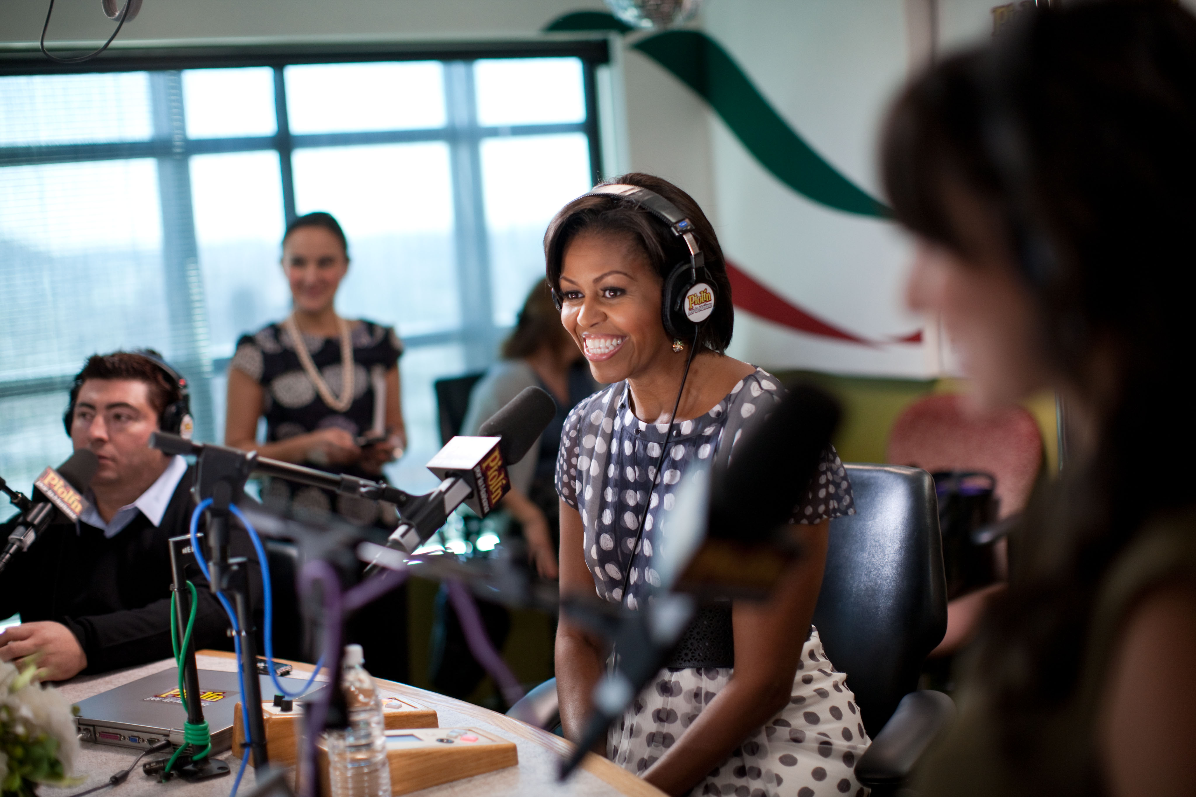 Description Michelle Obama interviewed by Eddie Sotelo.jpg