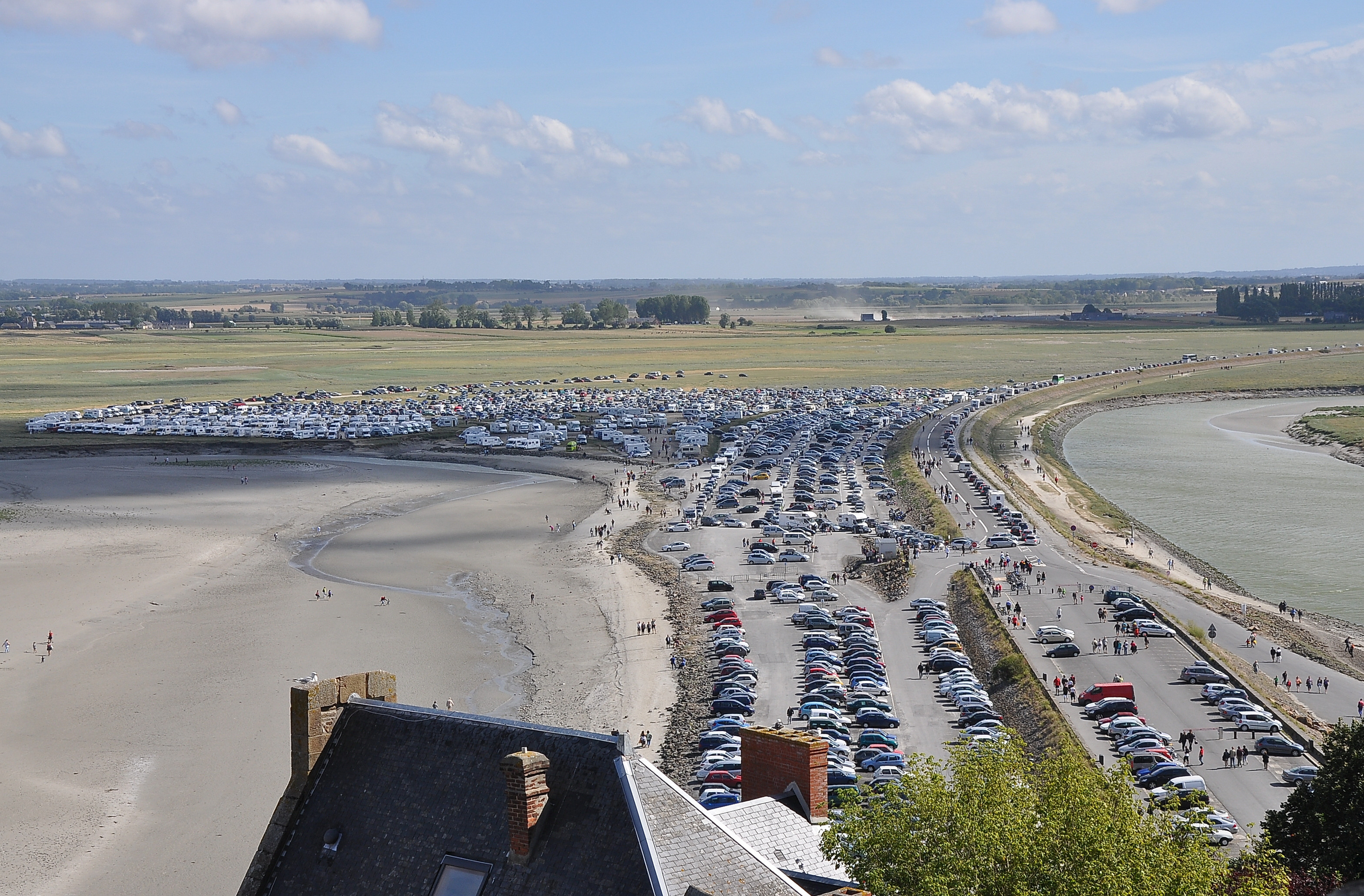 file mont michel parking 002 jpg