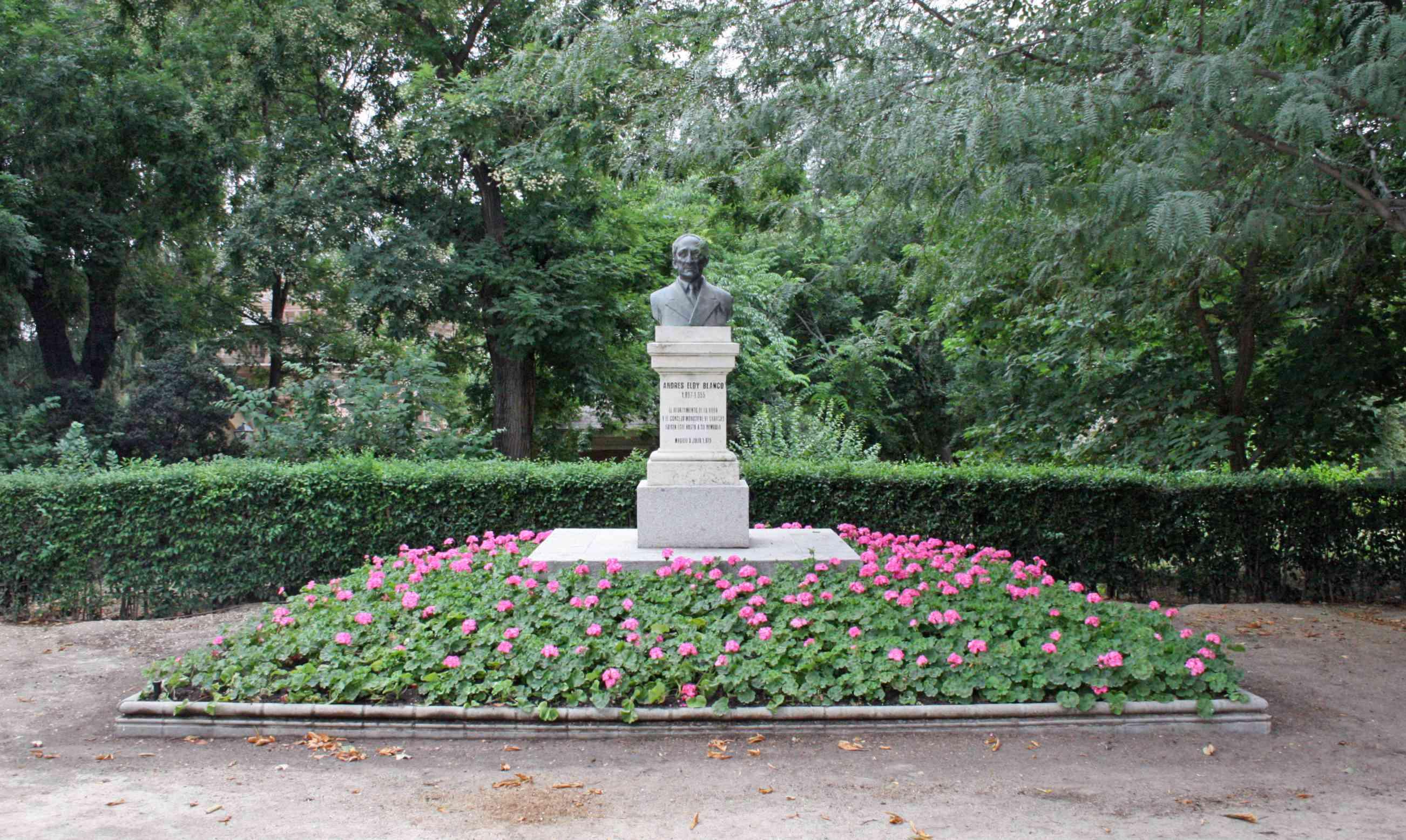 Monumento a Andrés Eloy Blanco en el Parque del Retiro, Madrid.