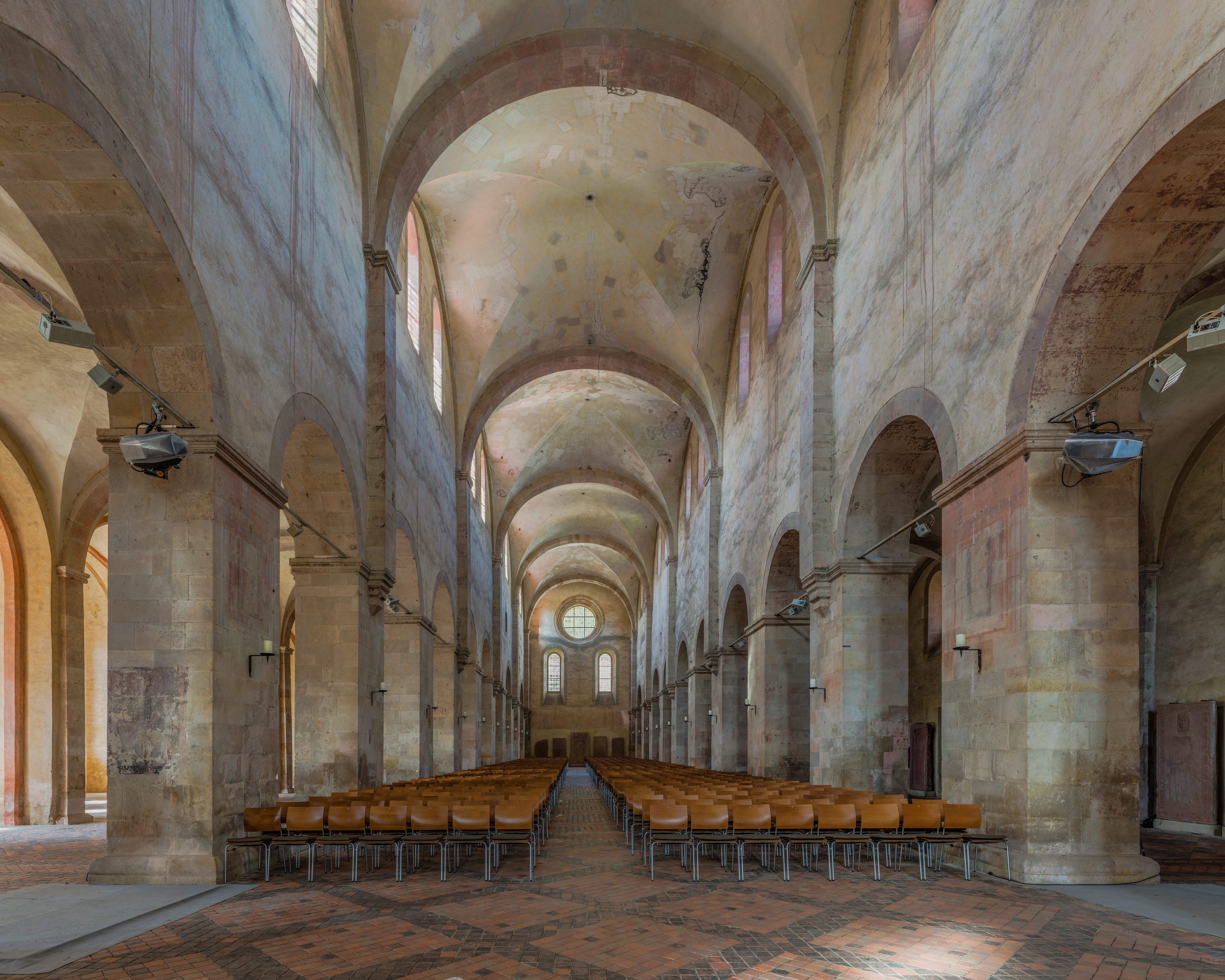Datei:Nave of the Basilica, Kloster Eberbach 20140903 1.jpg – Wikipedia