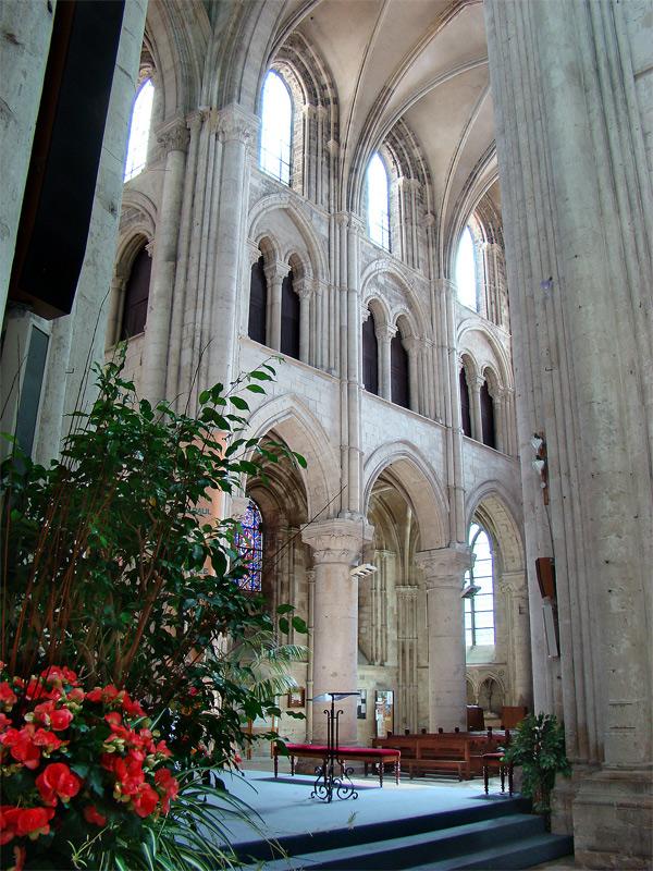 «Normandie Calvados Lisieux3 tango7174» par Tango7174 — Travail personnel. Sous licence GFDL via Wikimedia Commons - http://commons.wikimedia.org/wiki/File:Normandie_Calvados_Lisieux3_tango7174.jpg#/media/File:Normandie_Calvados_Lisieux3_tango7174.jpg