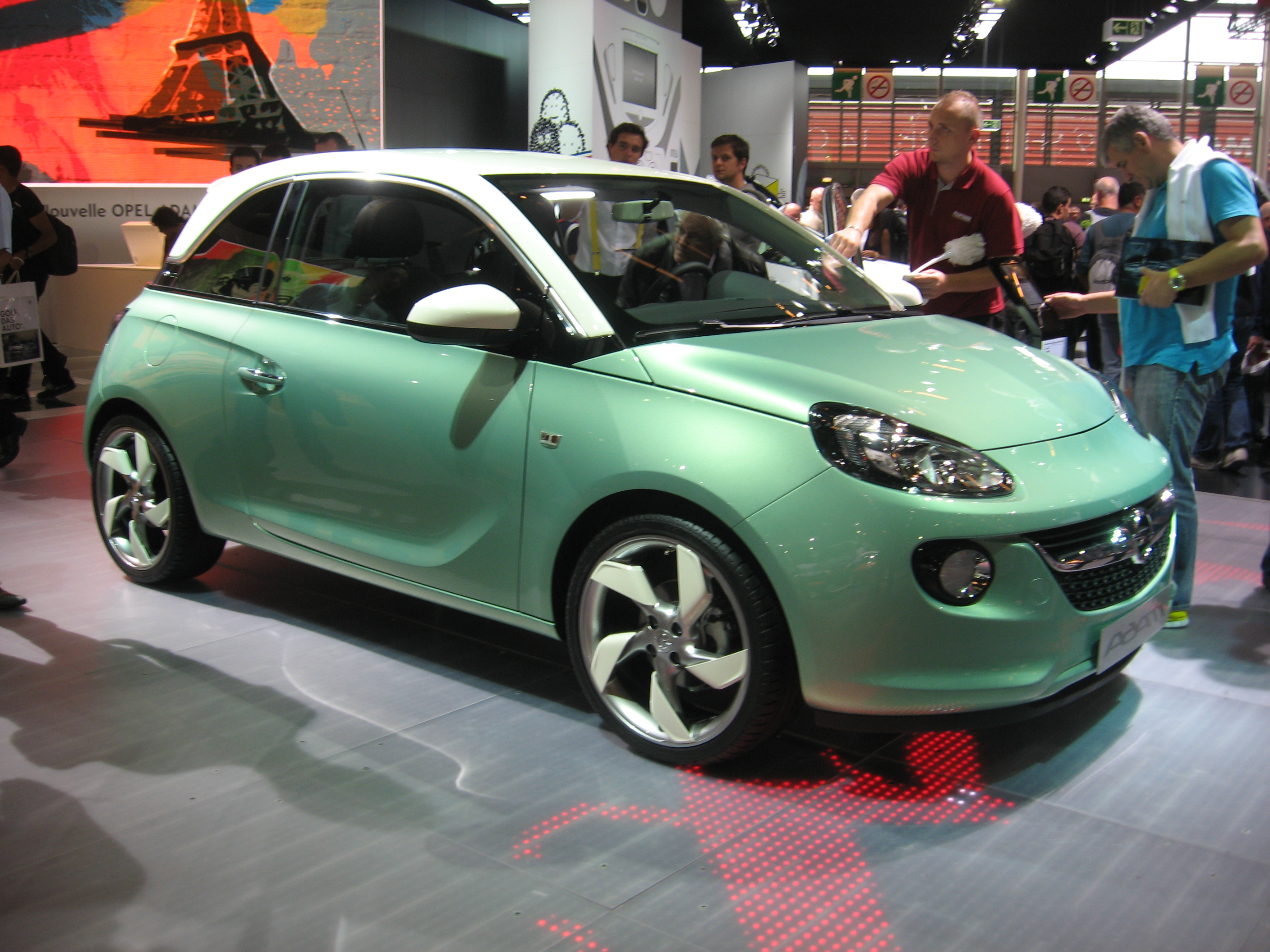 file opel adam green front jpg wikimedia commons. Black Bedroom Furniture Sets. Home Design Ideas