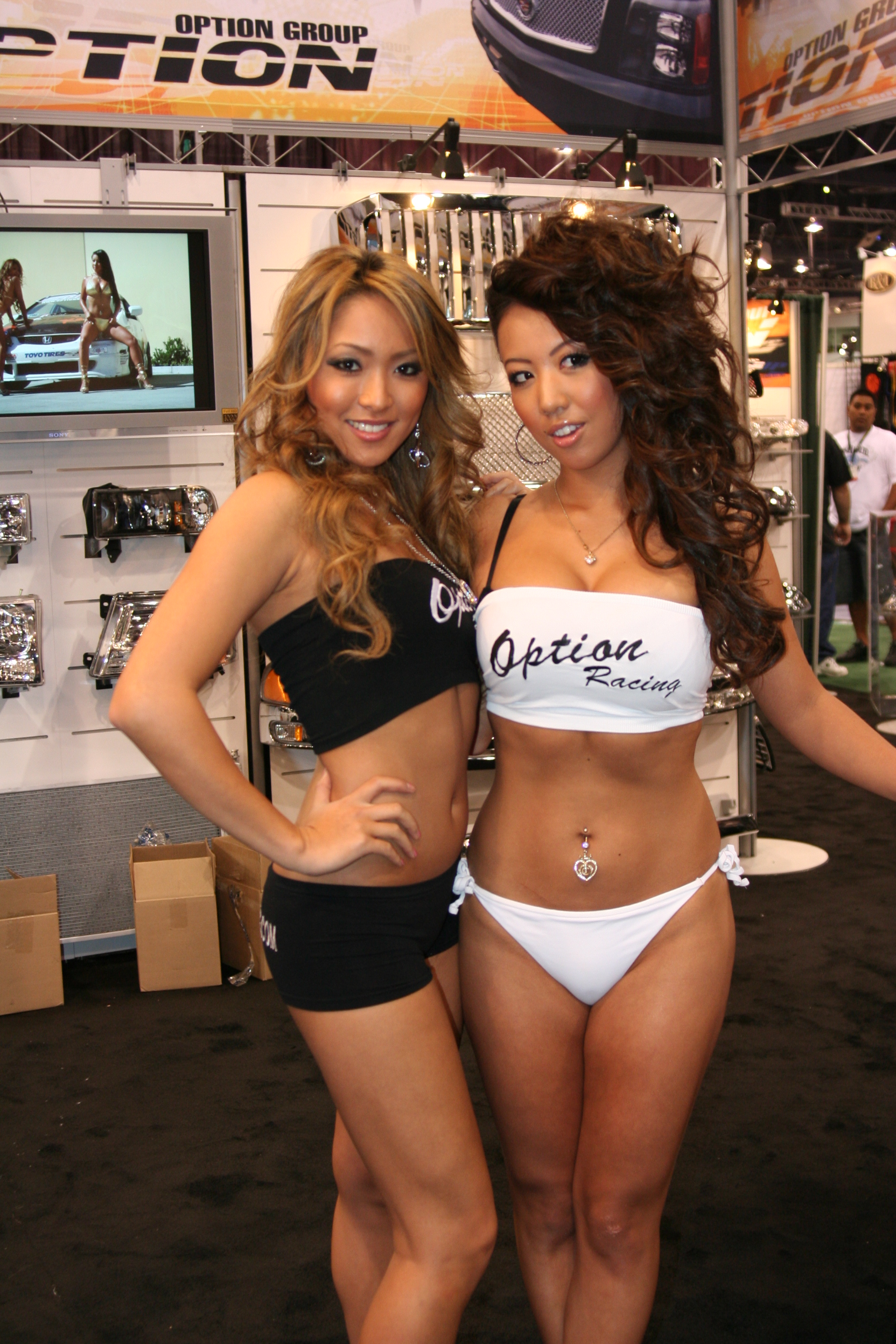 File Option Racing Girls Sema Show 2007 Jpg Wikimedia