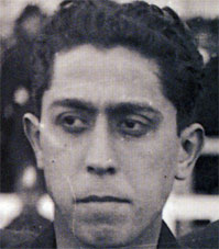 A black and white picture of the face of Paulino Alcántara.