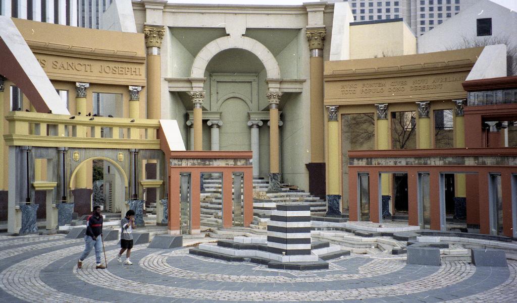 Postmoderne architektur wikiwand - Postmoderne architektur ...