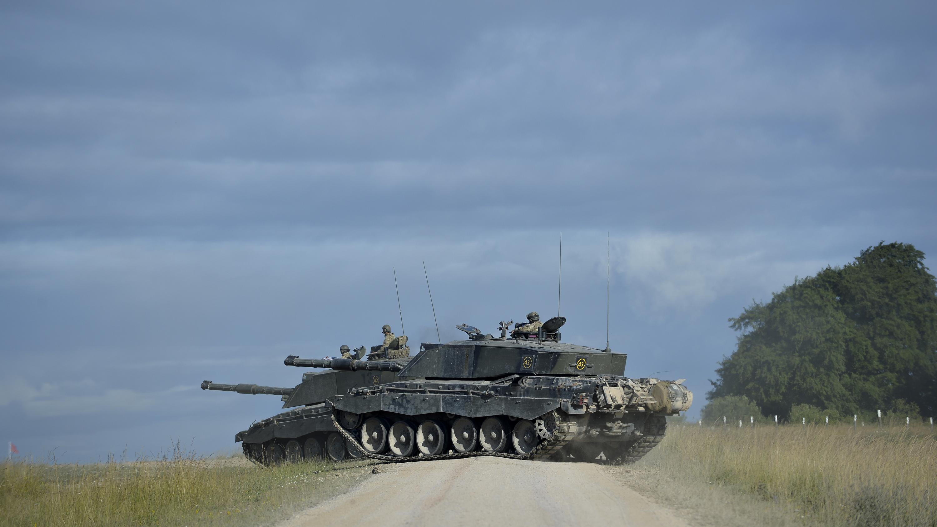 75009518104f File Pictured are two Challenger 2 s on the Salisbury Plain Training Area.  MOD 45157689.jpg