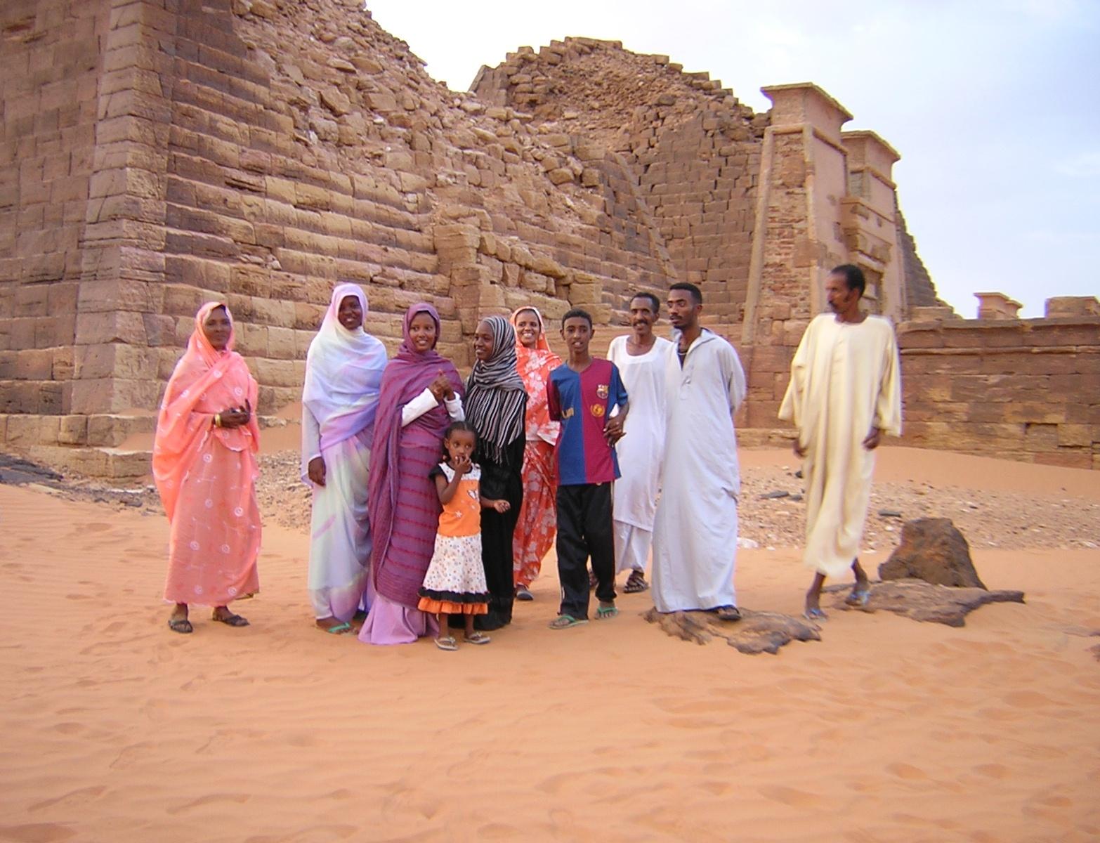 piramidoj en meroe (sudano) 006.jpg