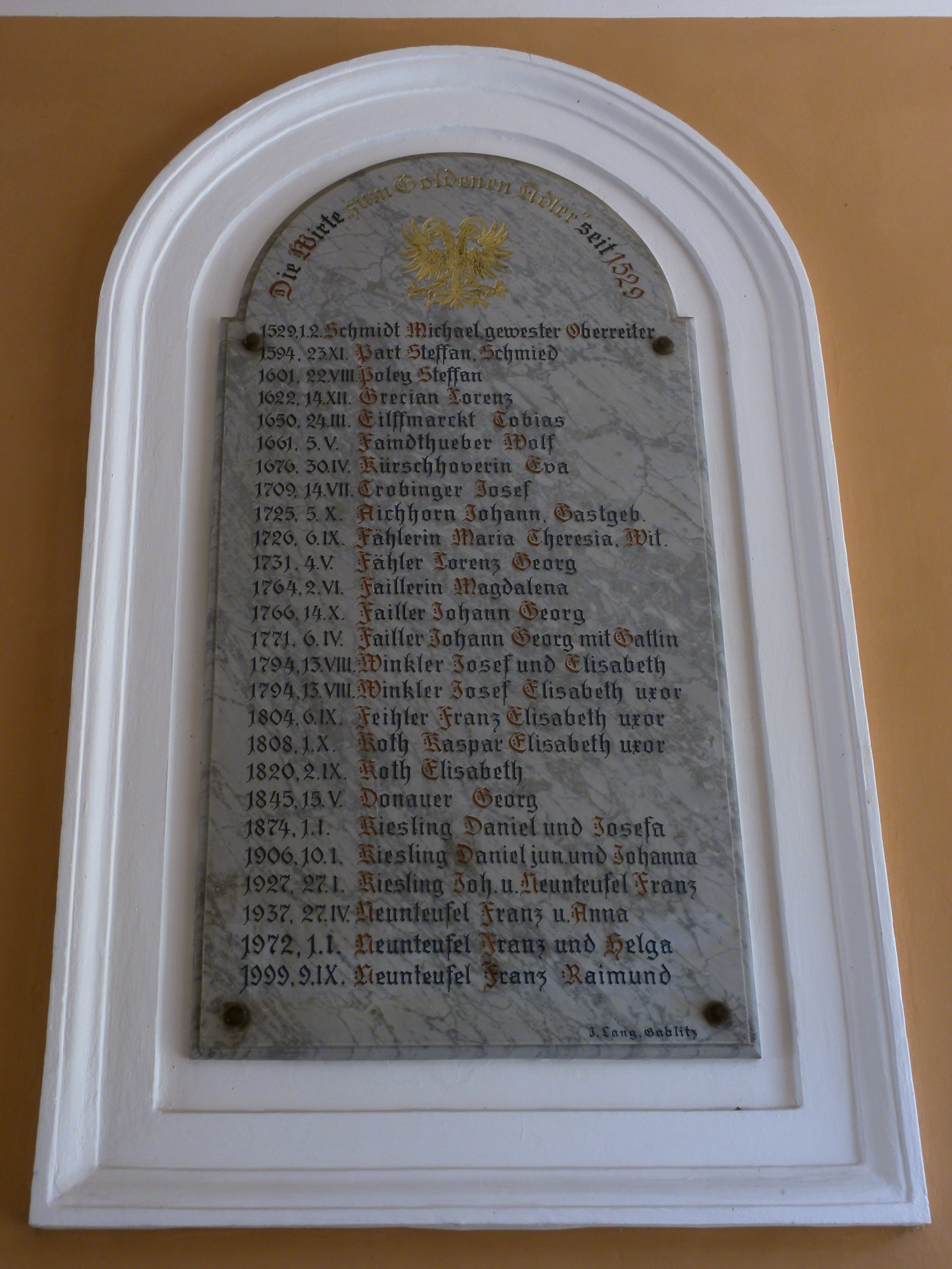 File:Purkersdorf Gasthof Goldener Adler Tafel mit