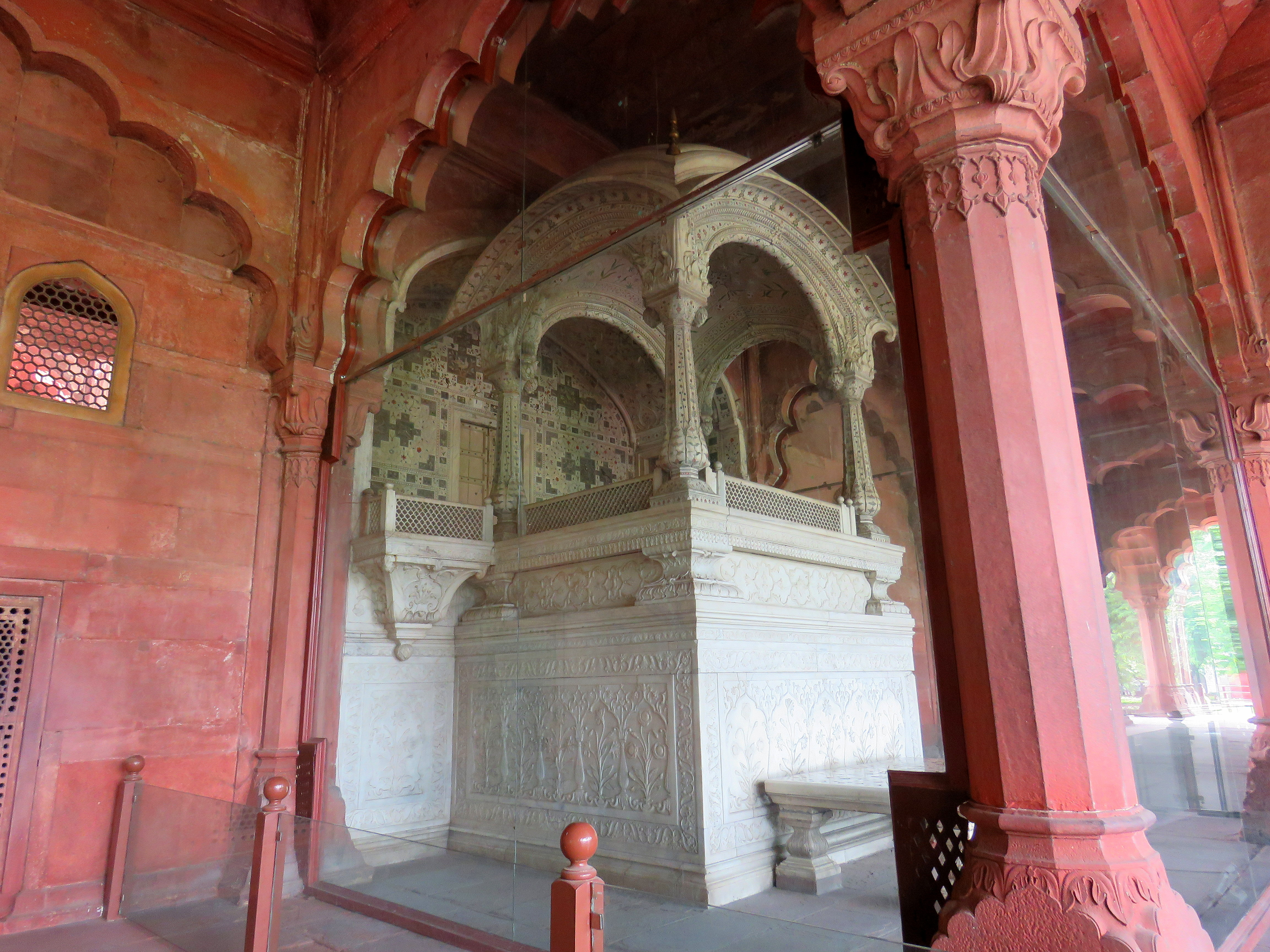 red fort - the marble jharokha.jpg