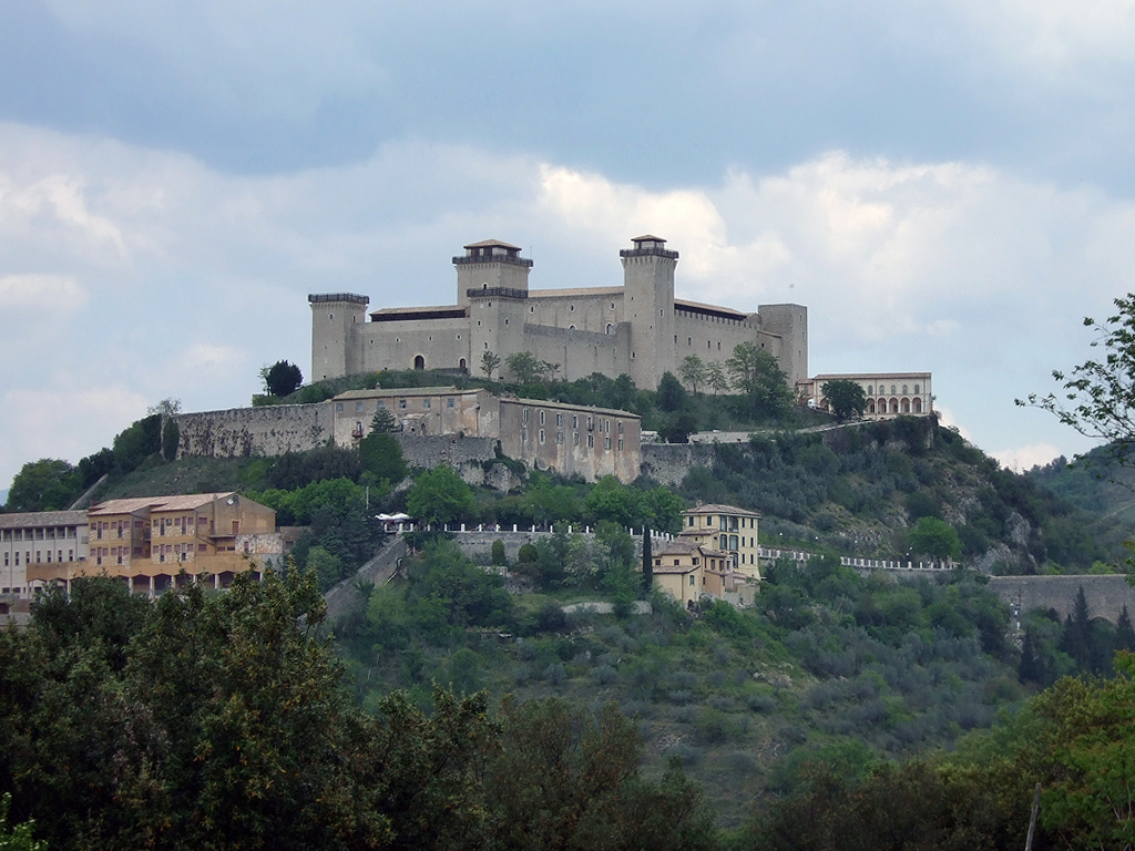 File:Rocca Albornoz, Spoleto - 1.jpg - Wikimedia Commons