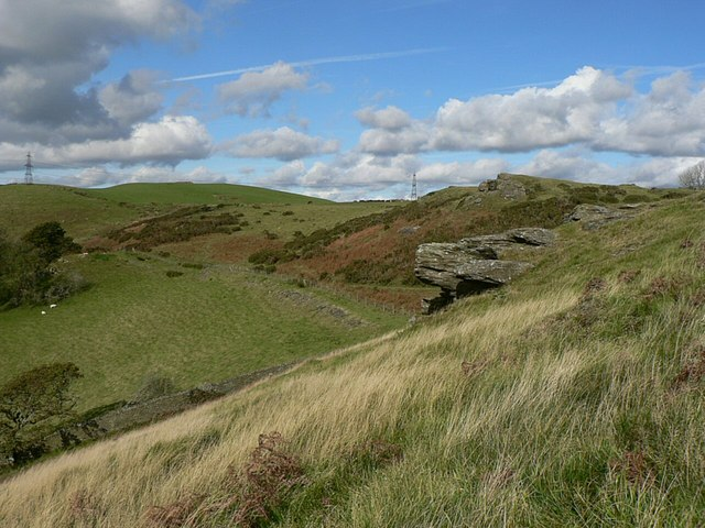 Rock outcrops on Mynydd Meiros - geograph.org.uk - 1009755