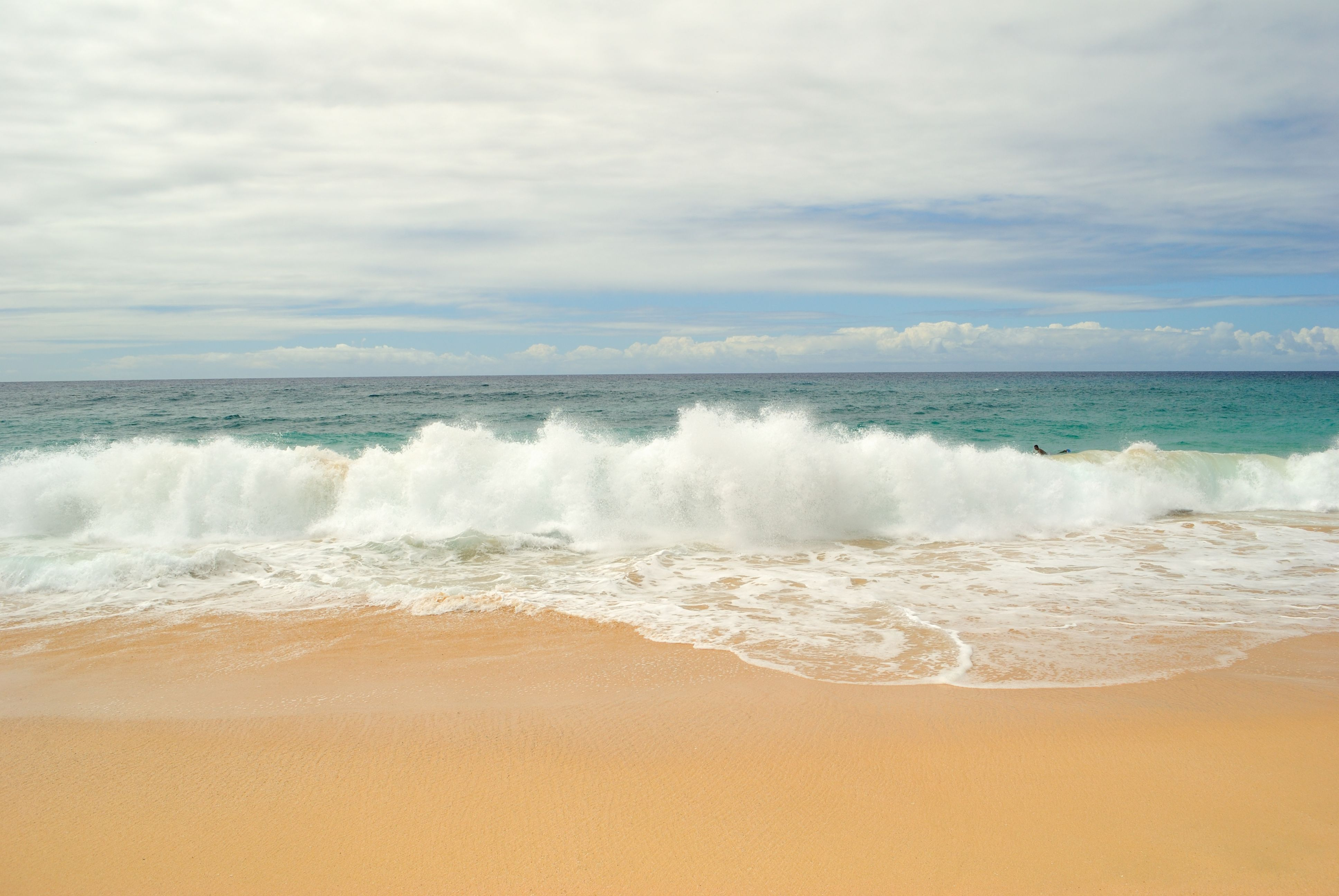 Sandy Beach Waves (6225153931).jpg