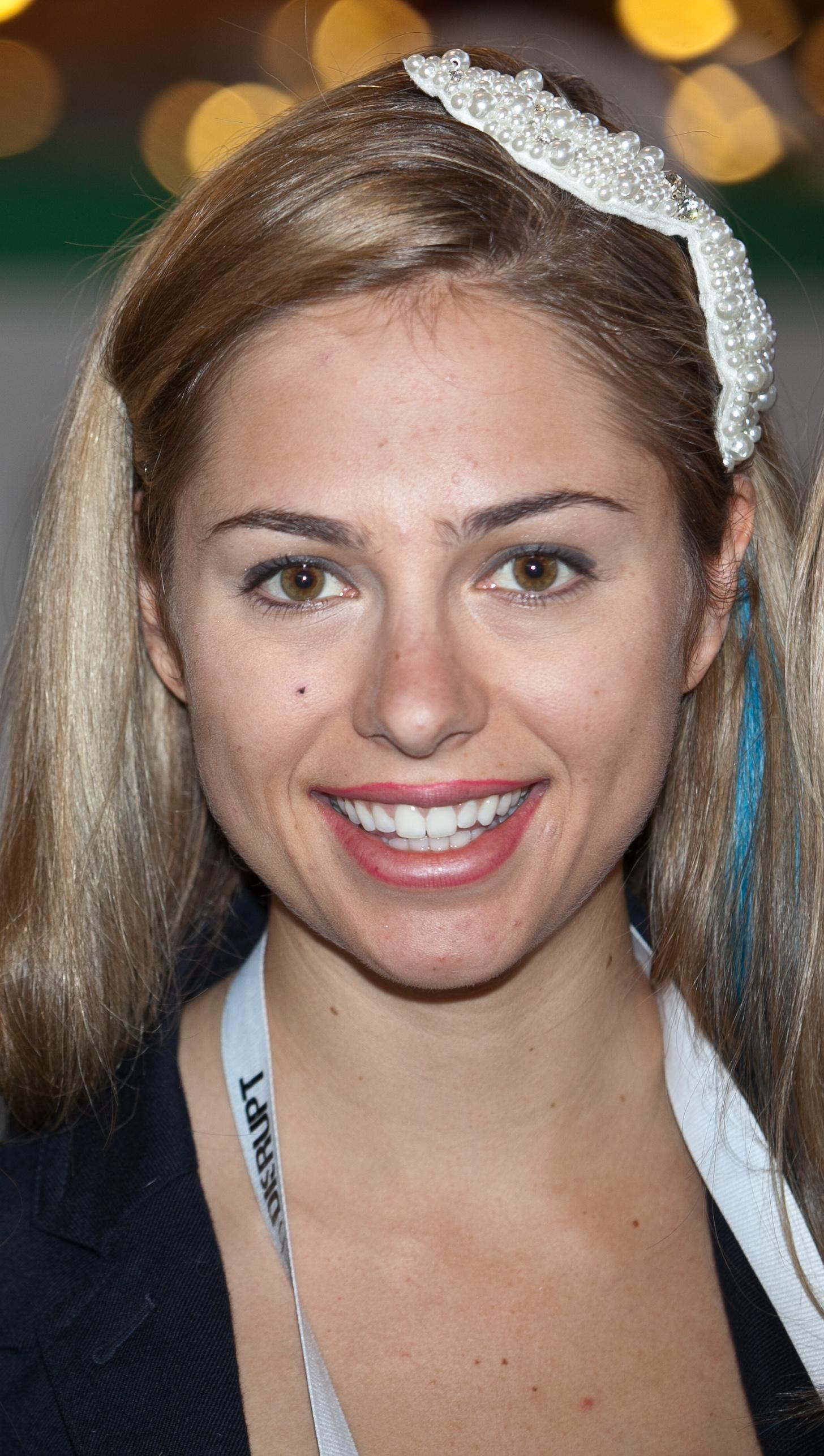Sarah Austin Internet Celebrity Wikipedia