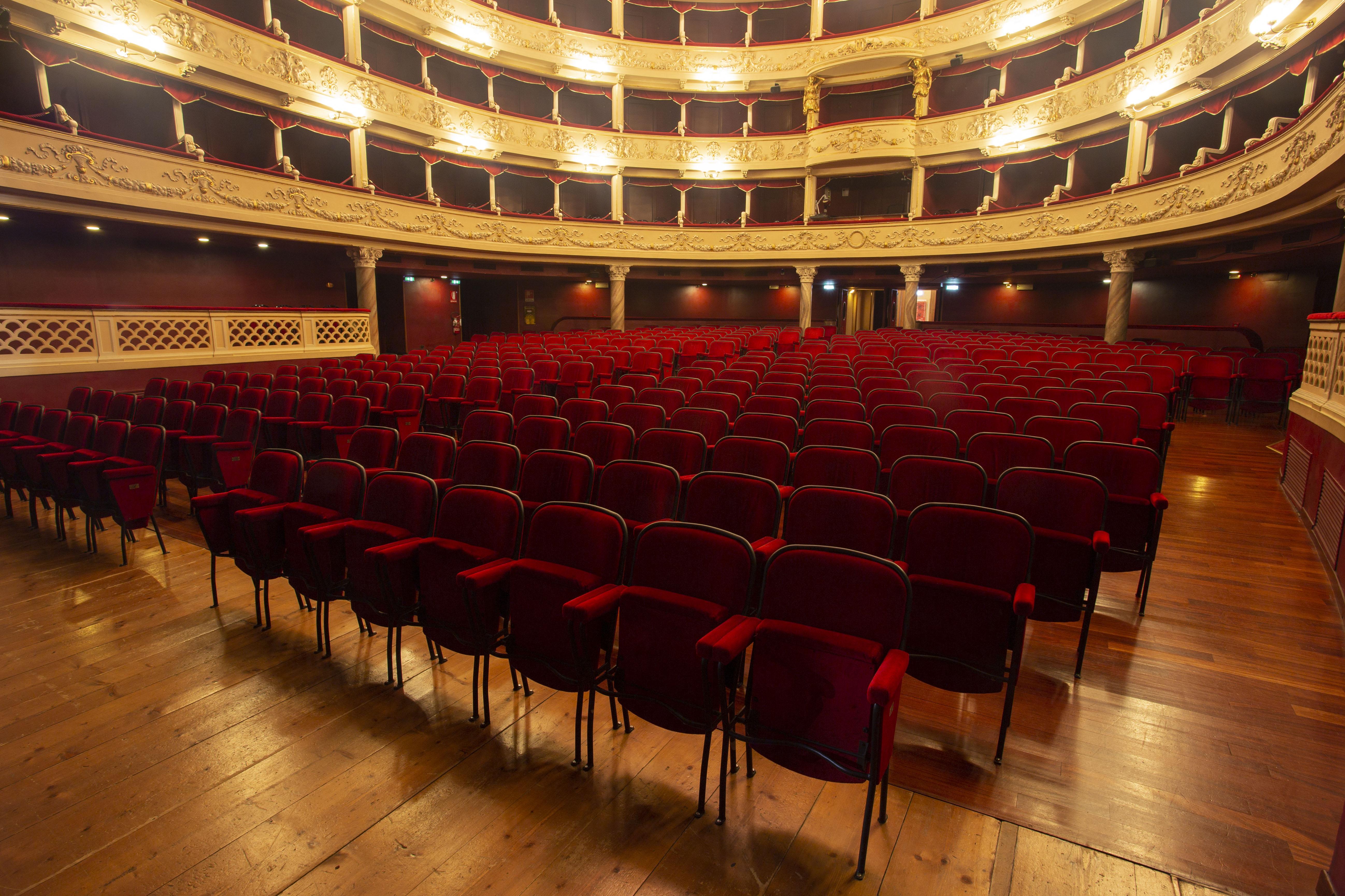 Teatro Le Sedie.File Sedie Del Teatro Jpg Wikimedia Commons