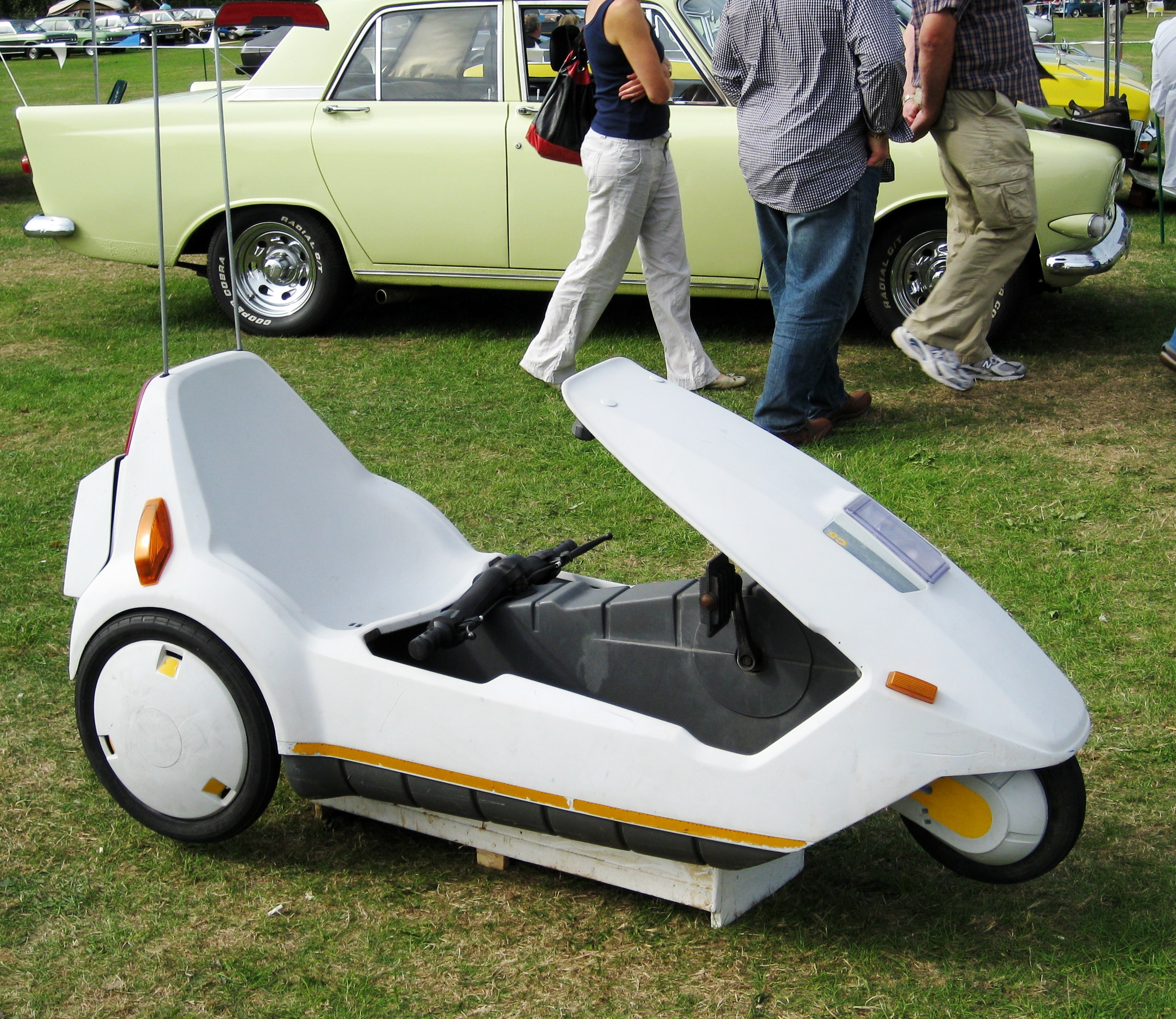 File Sinclair C5 At Classic Car Fest Jpg Wikimedia Commons