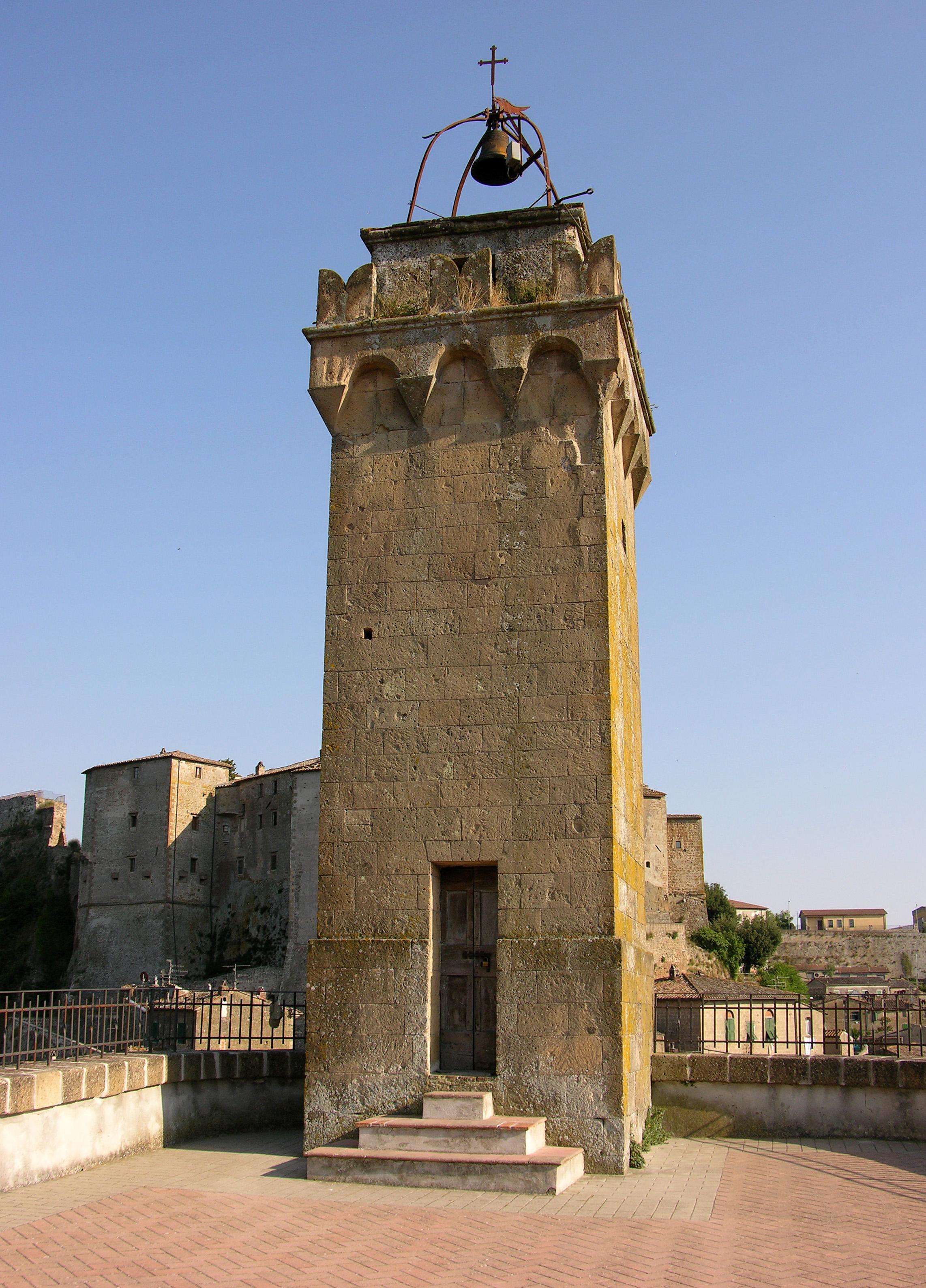 Sorano - Torre dell' Orologio lato posteriore.jpg