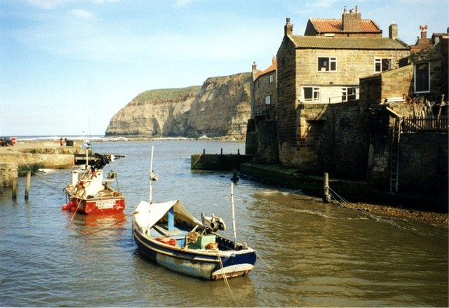 Staithes - geograph.org.uk - 346659