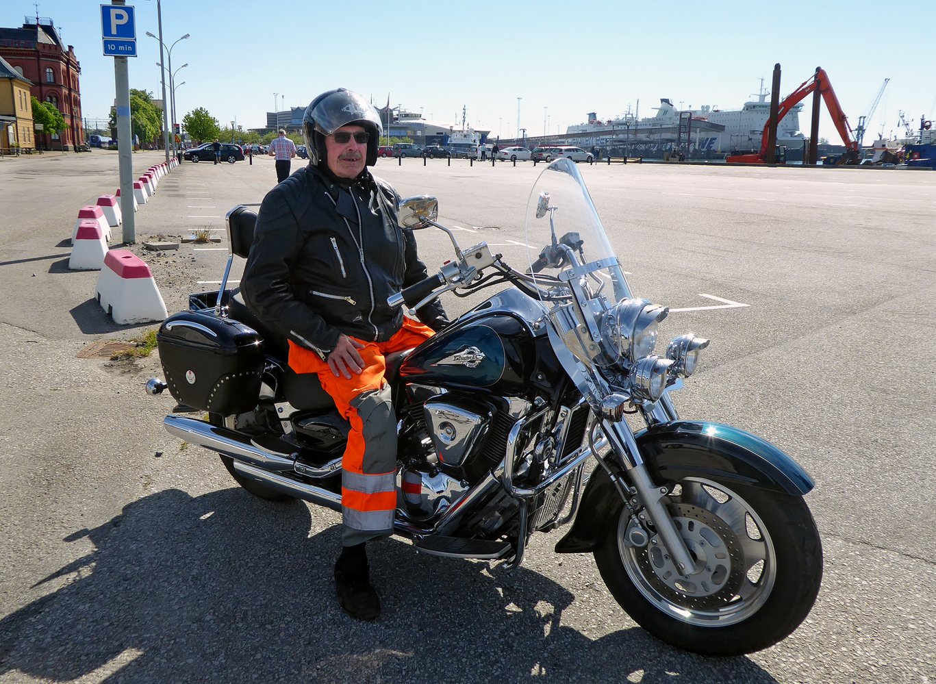 a man on his suzuki vl 1500 intruder lc  ystad port 2017