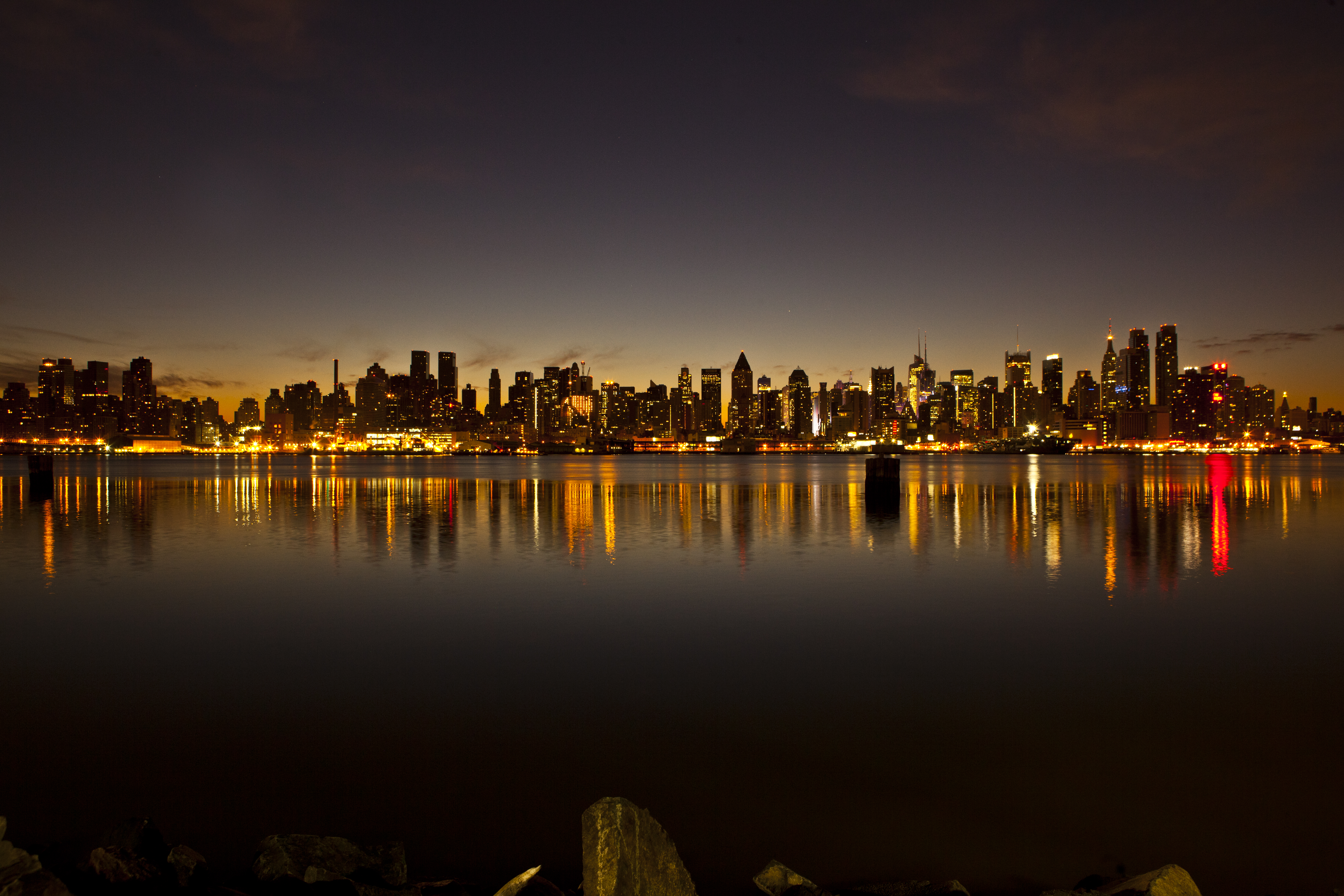 File:The New York City skyline just before sunrise ...