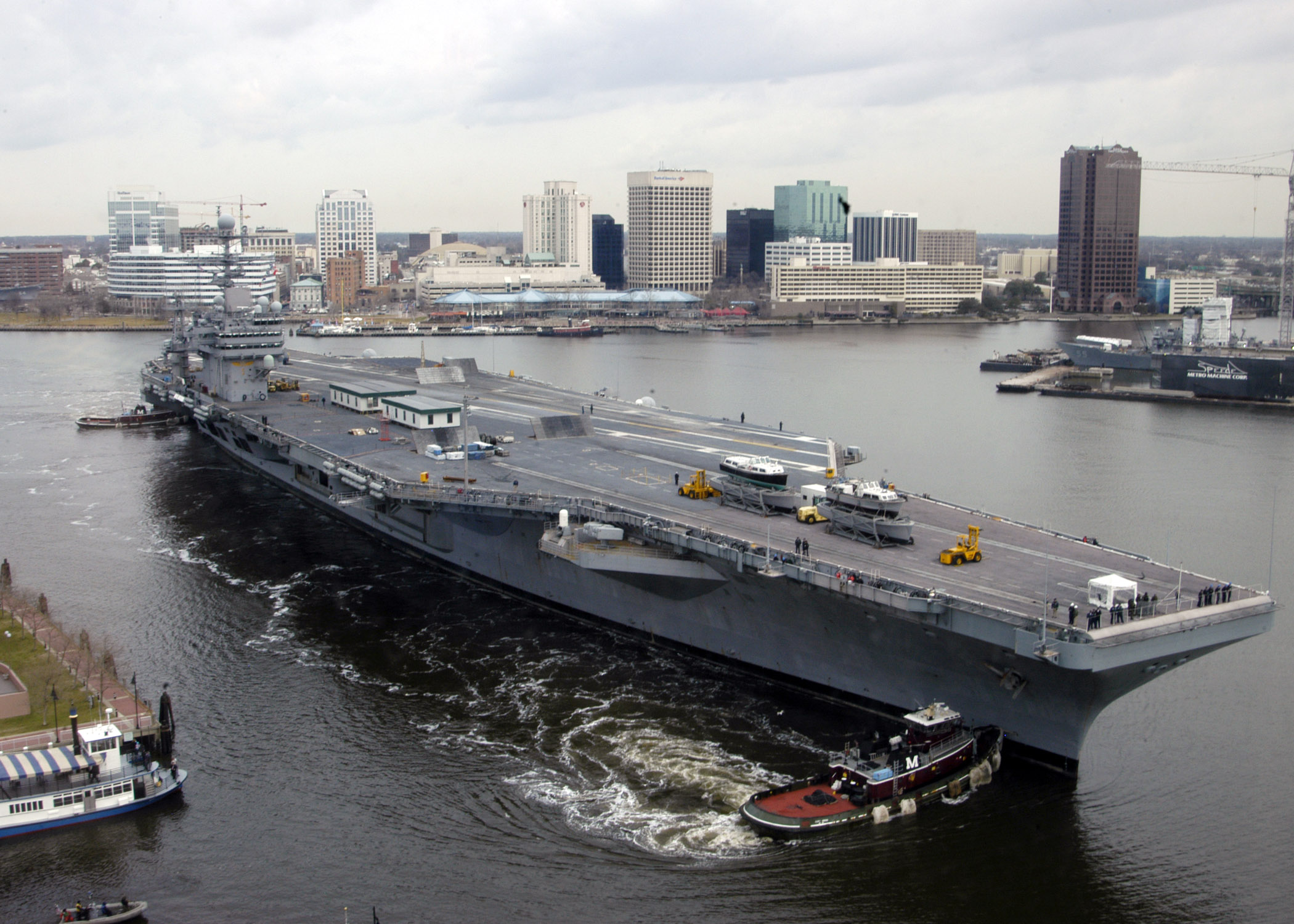 File Us Navy 070307 N 8138b 001 Nimitz Class Aircraft