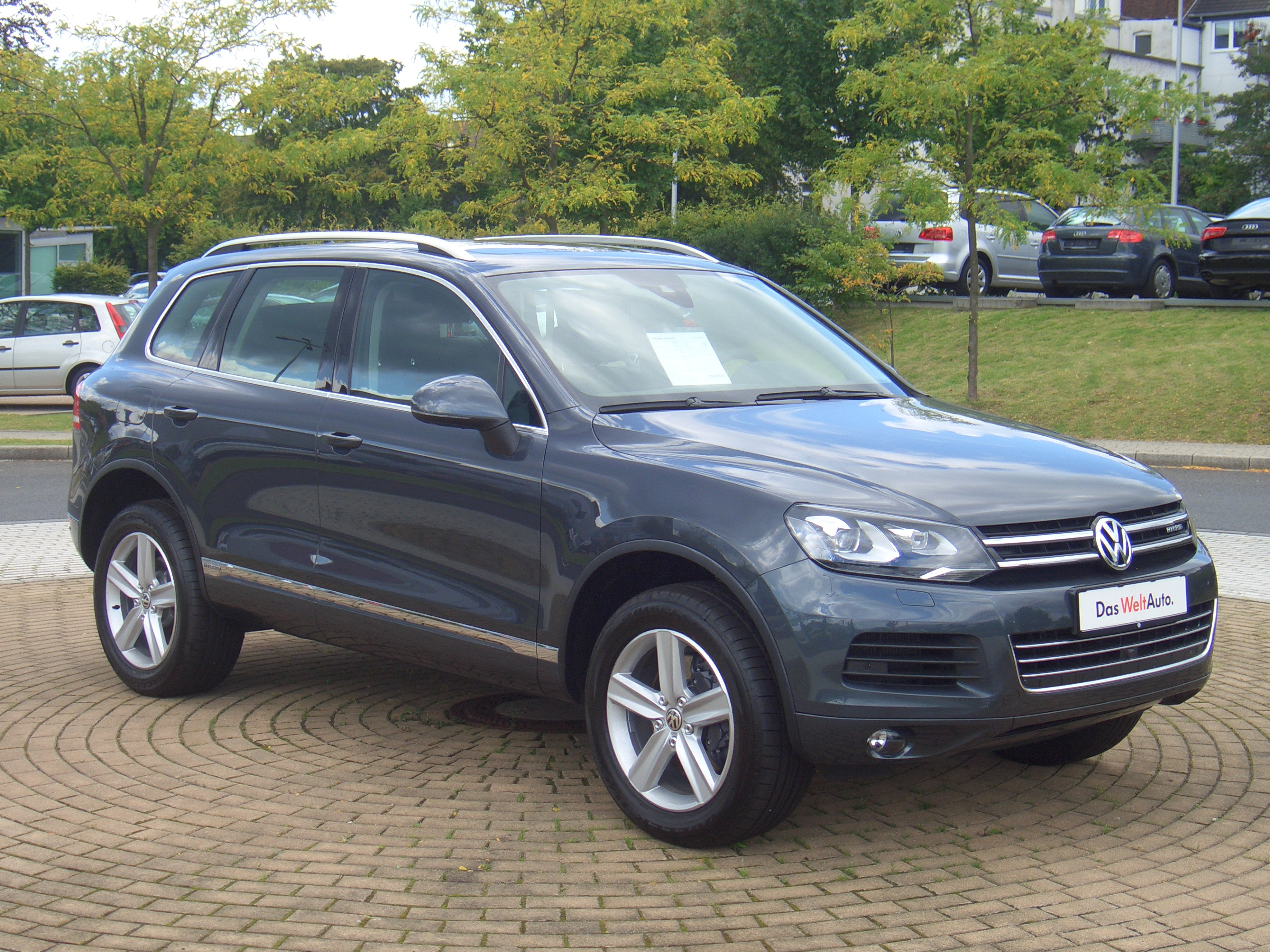 File Volkswagen Touareg Hybrid 4motion C2 From 2010 Frontright 2017 08 07 A Jpg