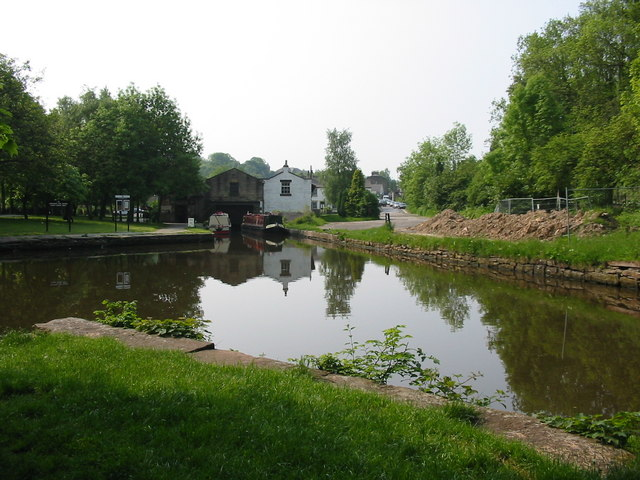 Whaley Bridge Canal Basin - geograph.org.uk - 340962