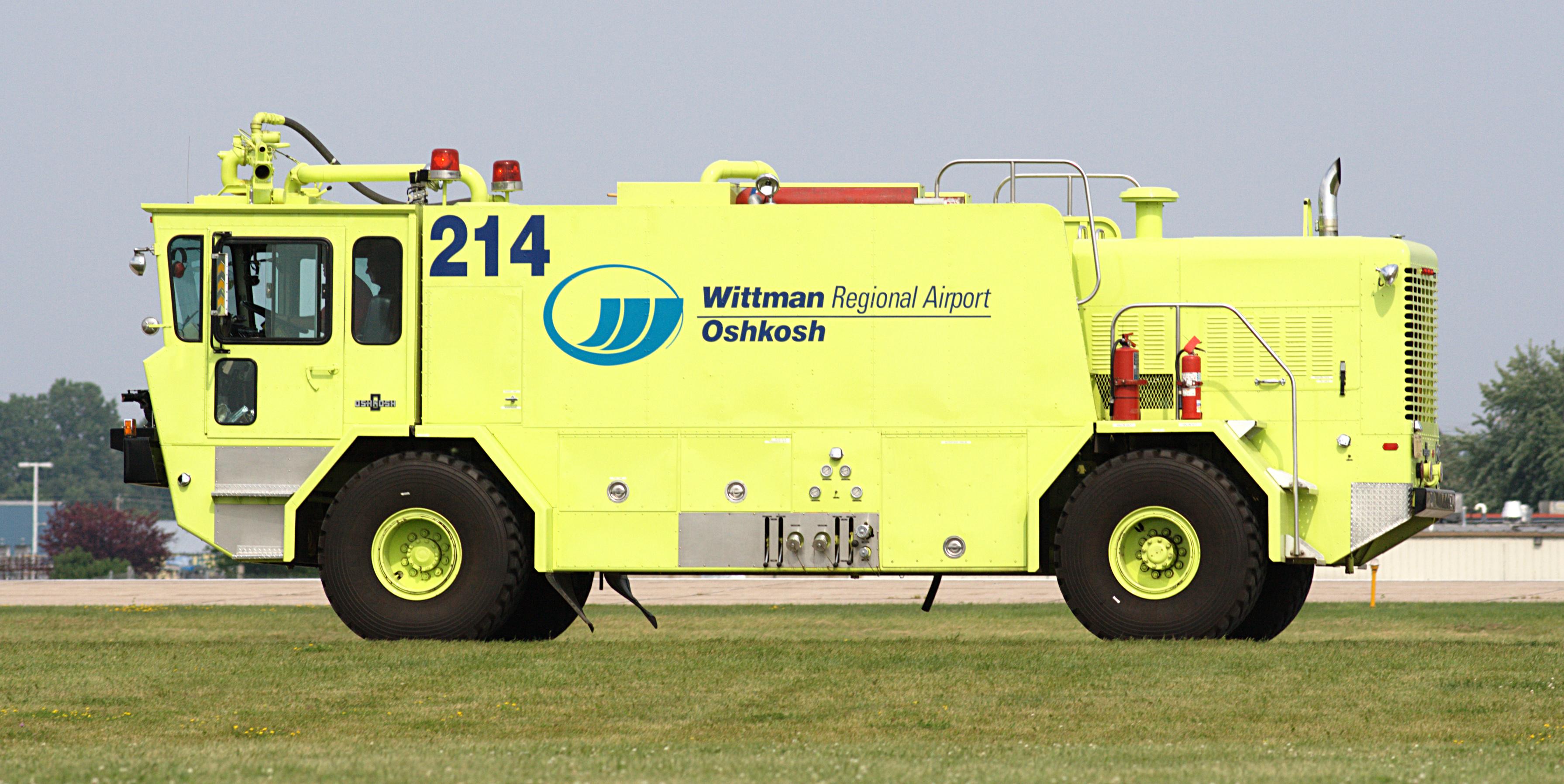 File Whitman Regional Airport Fire Truck Jpg Wikimedia