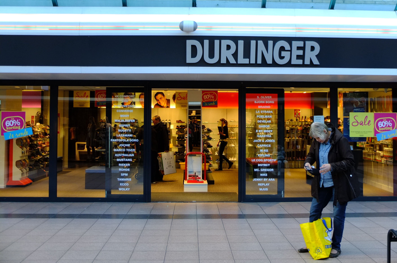 File:Winkels Winkelcentrum Hoge Vucht DSCF9201.jpg
