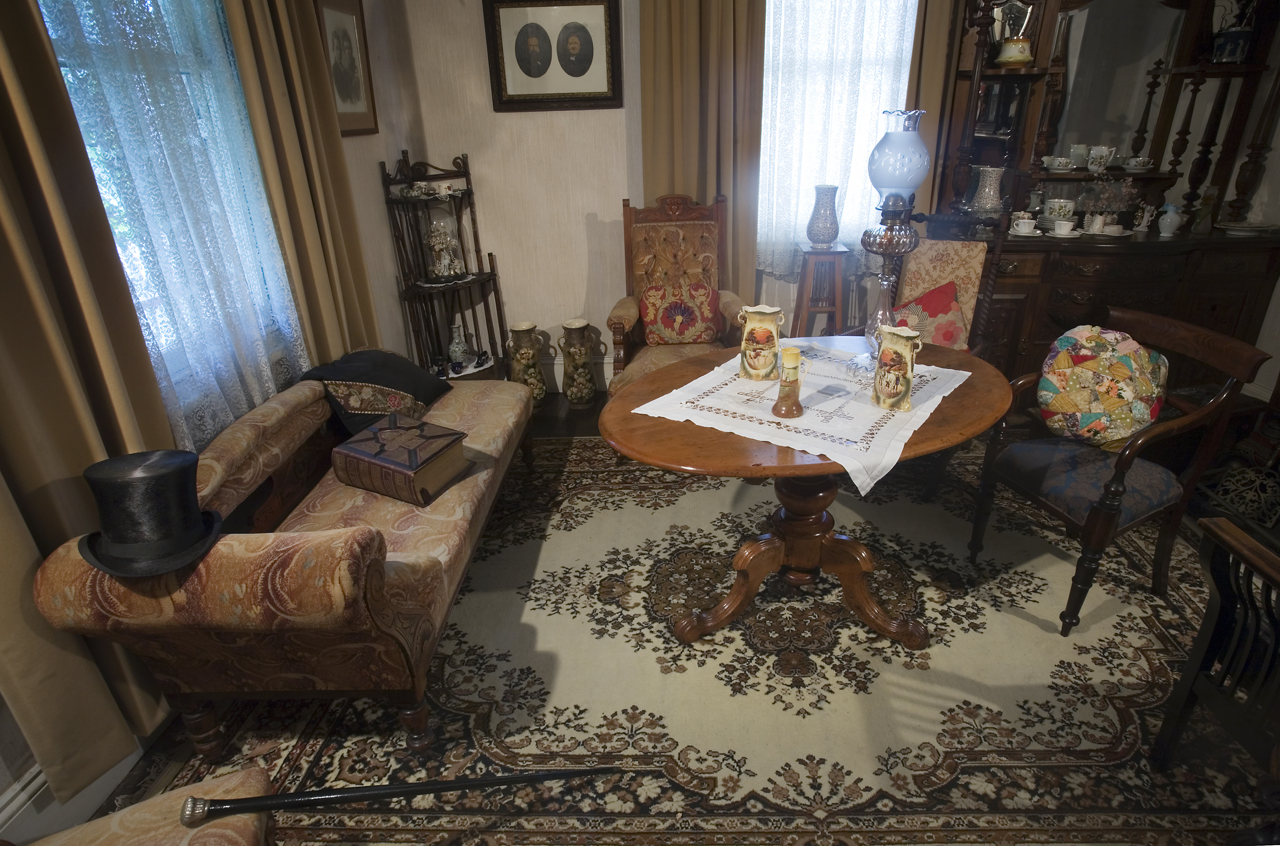 File:19th century Victorian living room, Auckland - 0825